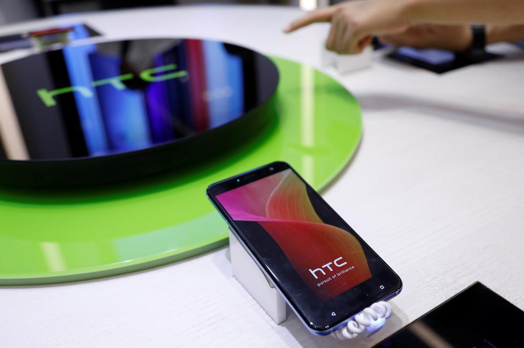HTC Ocean Life mid-range variant may launch as the 'HTC U11 Life'