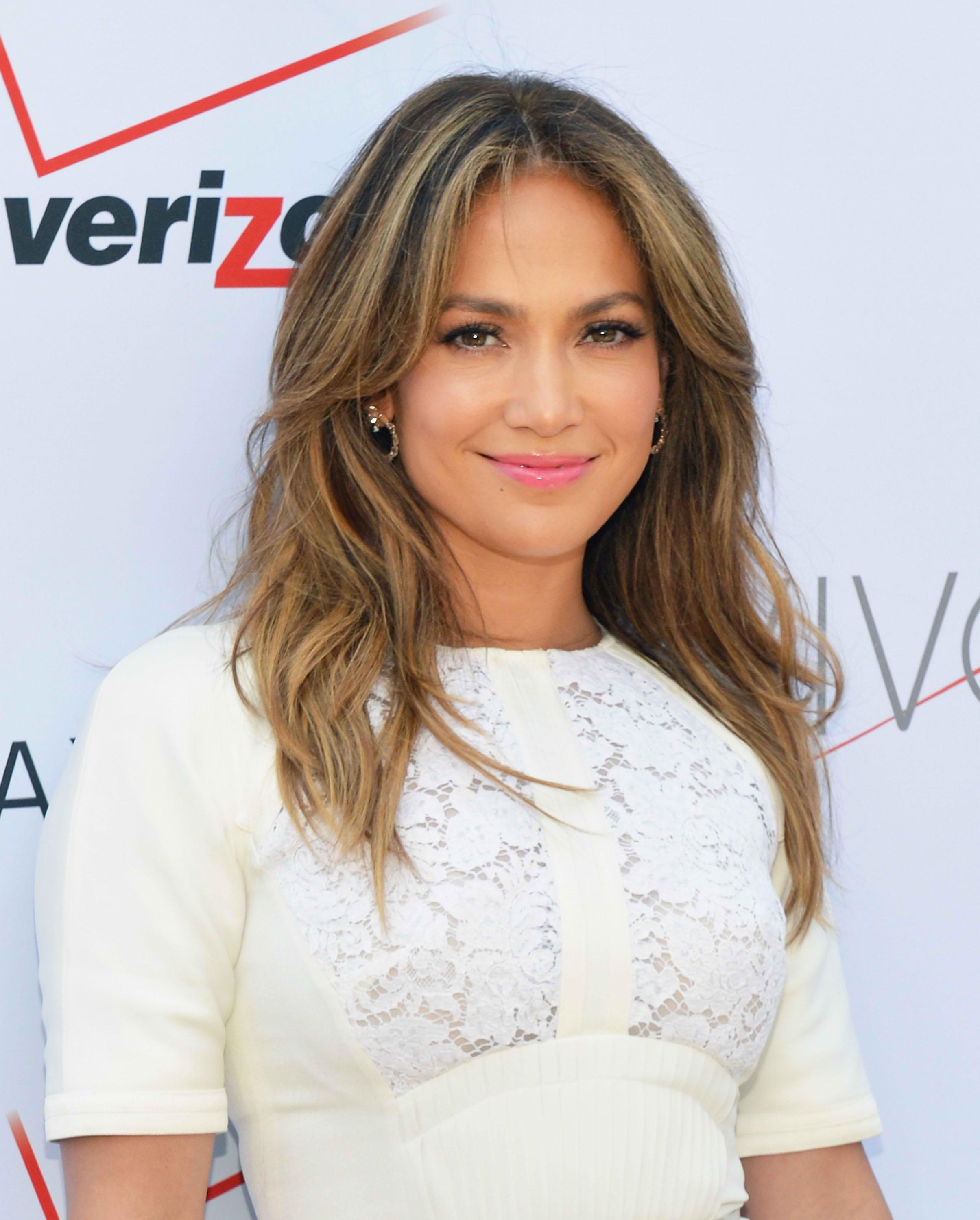 Jennifer Lopez Walks Through NYC Subway Stop in a Bathrobe