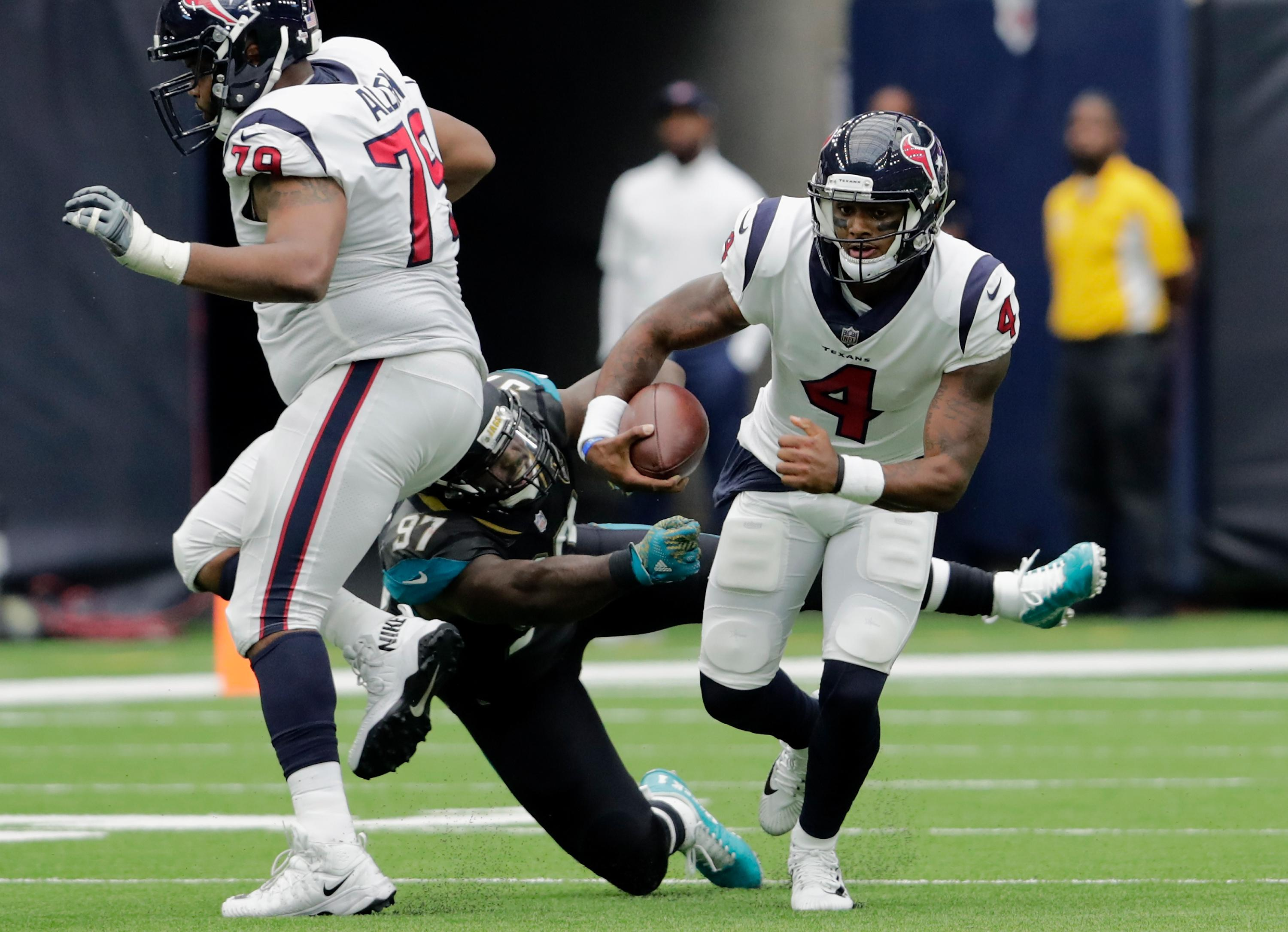 Deshaun Watson dealing with an injury