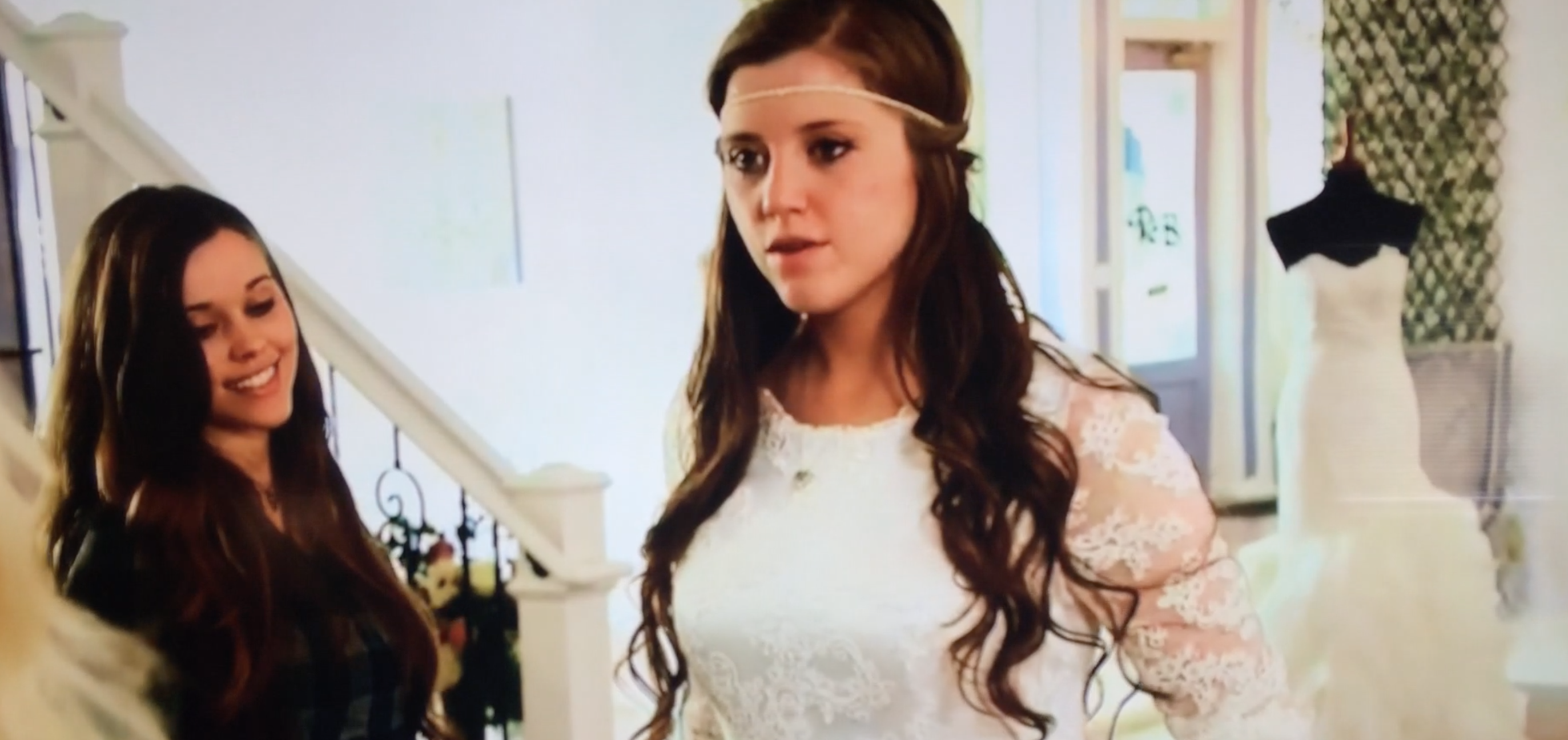 Jinger Duggar Wedding Dress.Joy Anna Duggar Makes Jana Cry In Counting On Sneak Peek Video