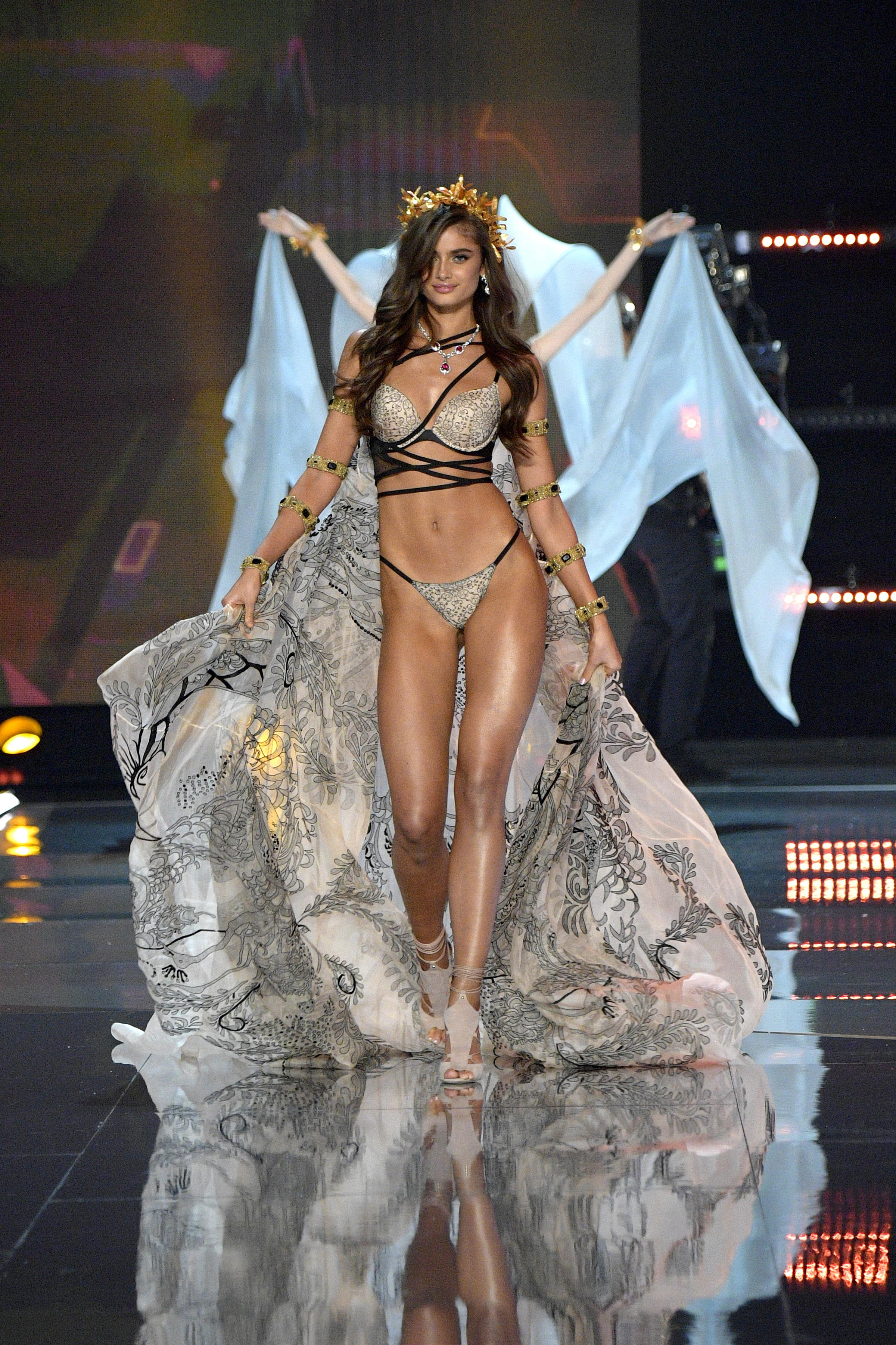 567aedcfc Taylor Hill walked the runway at the 2017 Victoria's Secret fashion show in  Shanghai on Nov. 20, 2017. Photo: Matt Winkelmeyer/Getty Images for  Victoria's ...