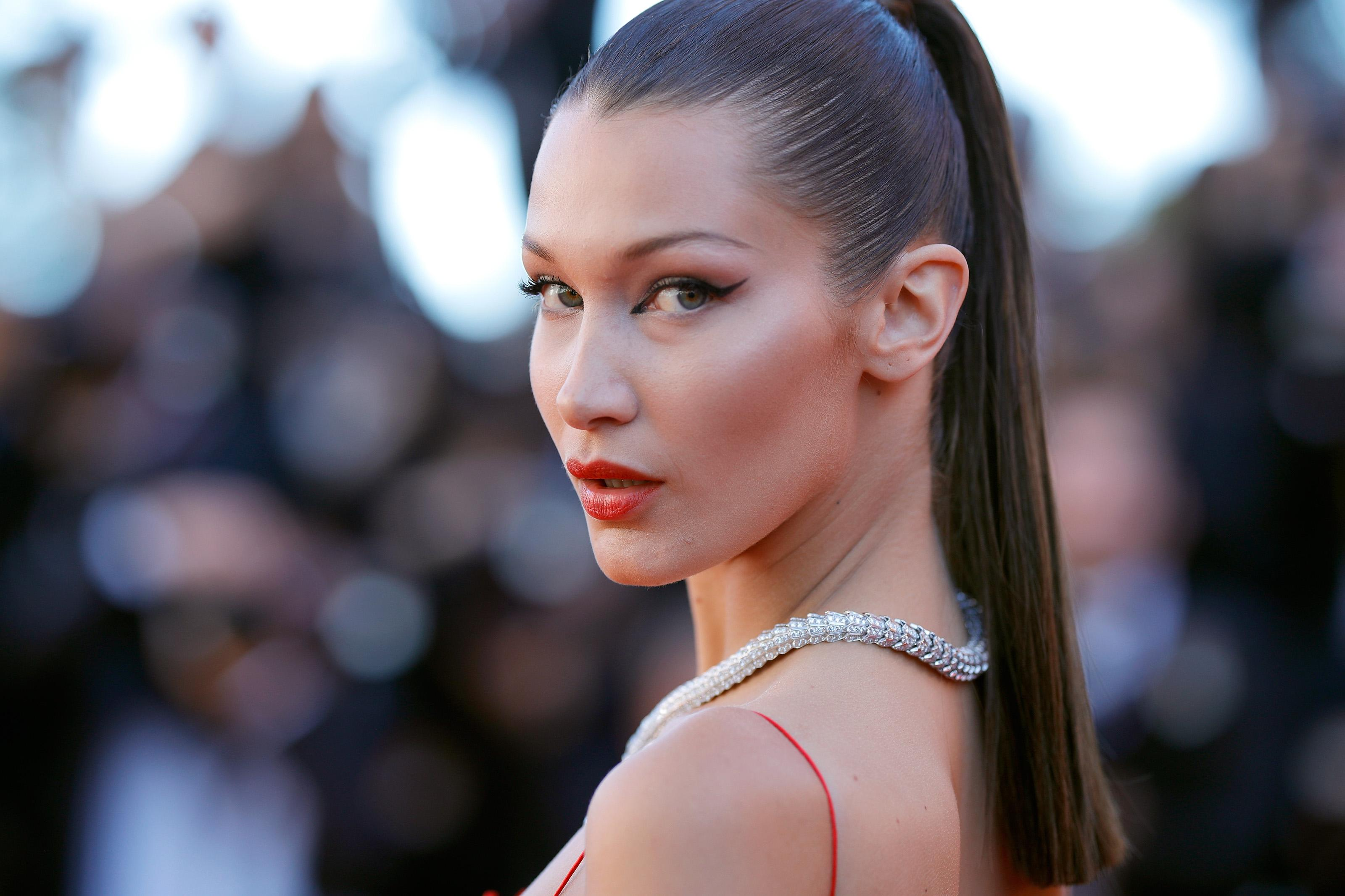 Drake and Bella Hadid 'no longer talking'