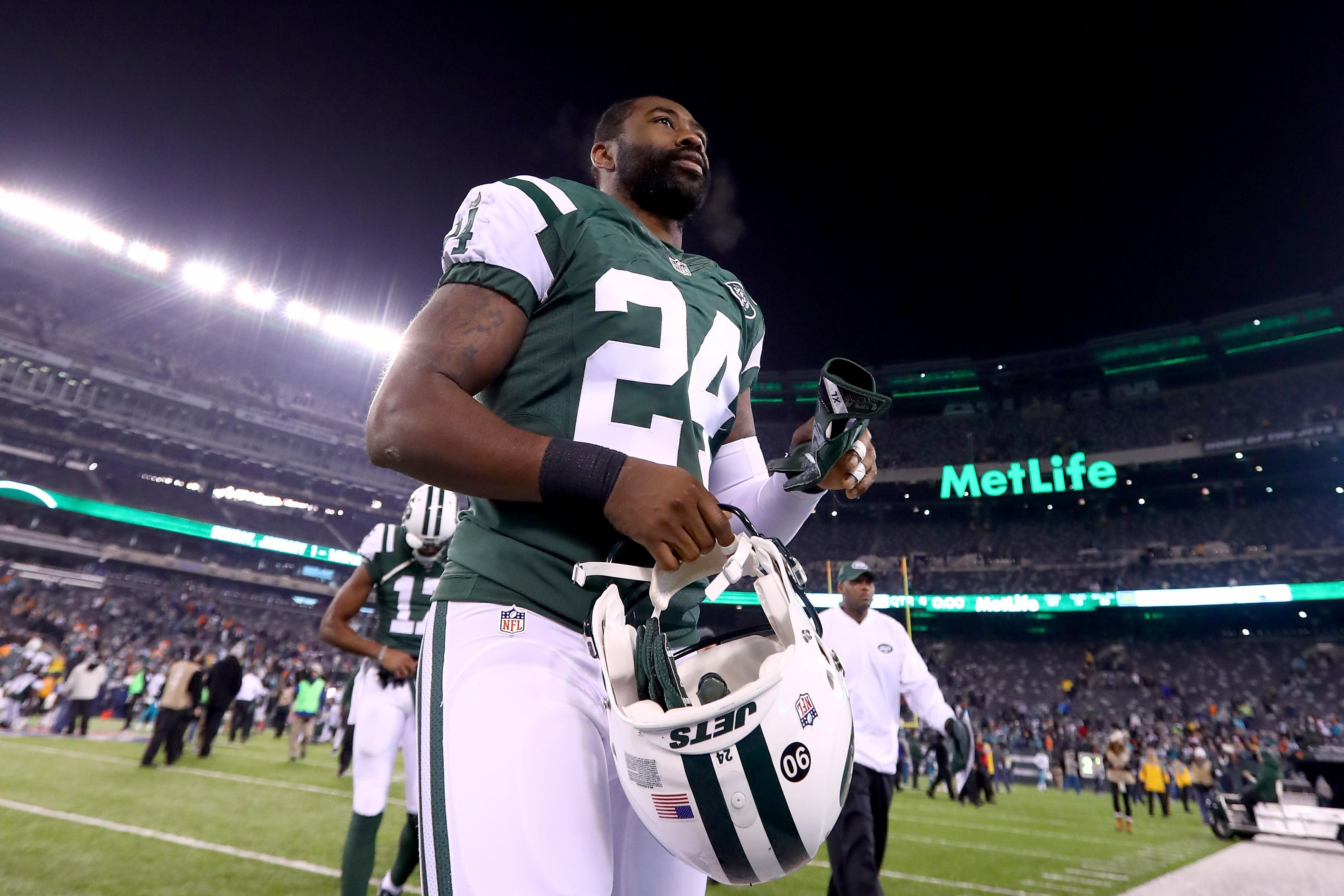 Chiefs Sign Darrelle Revis