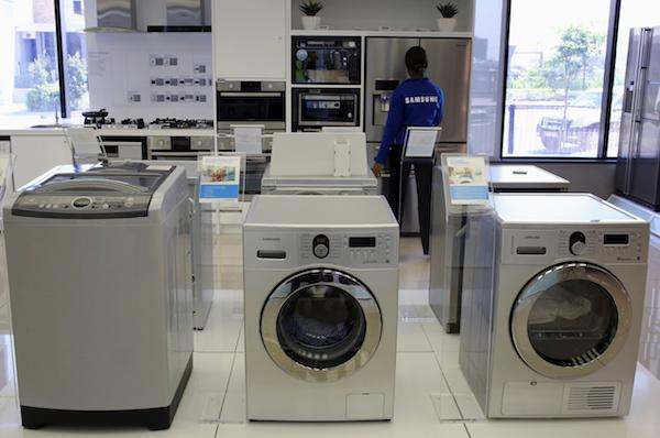 U.S. commission recommends tariffs to curb Samsung, LG washer imports