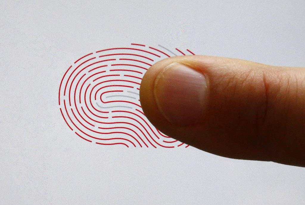 This will be first smartphone manufacturer with inscreen fingerprint sensor