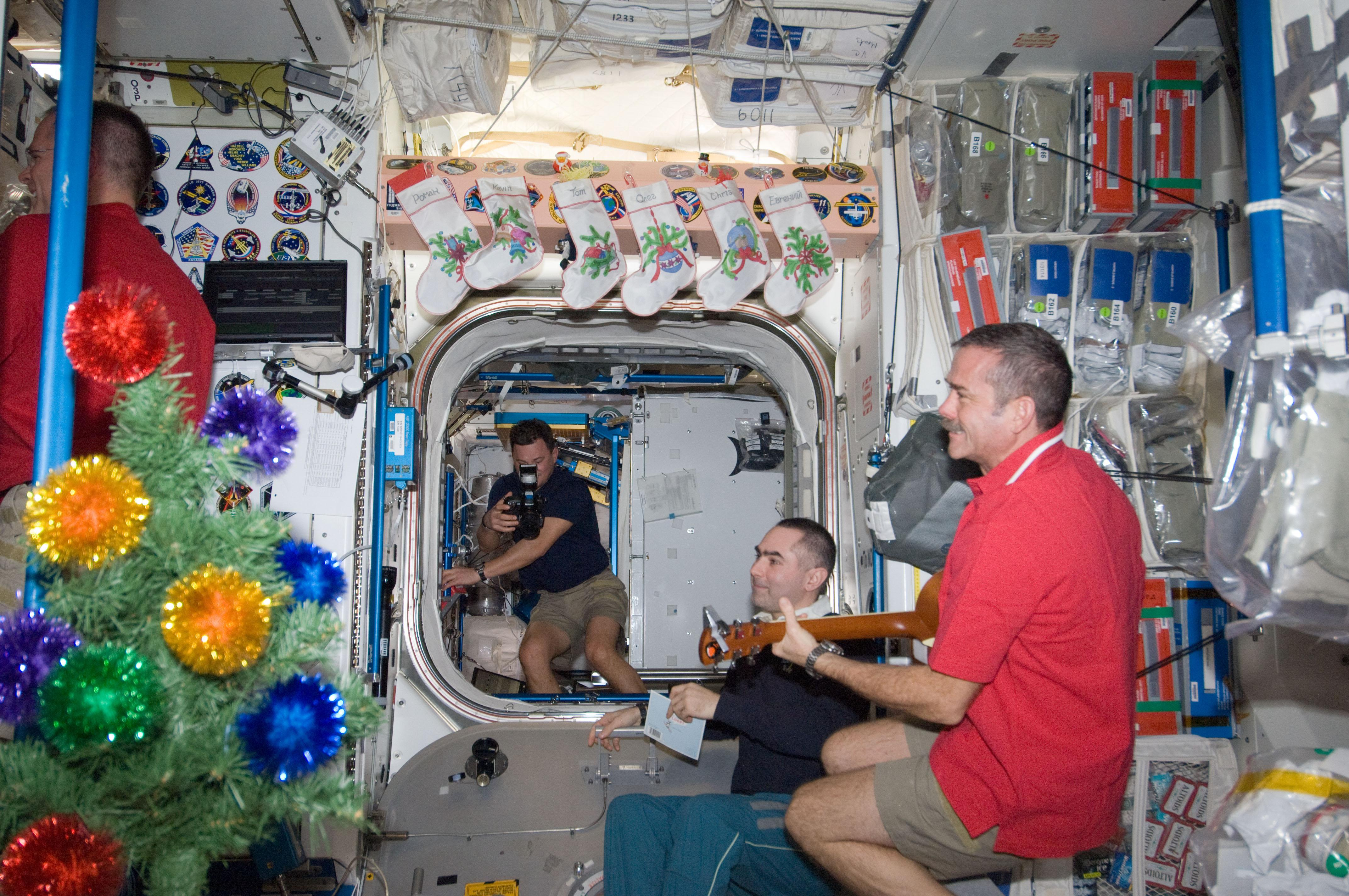 xmas on iss 2012