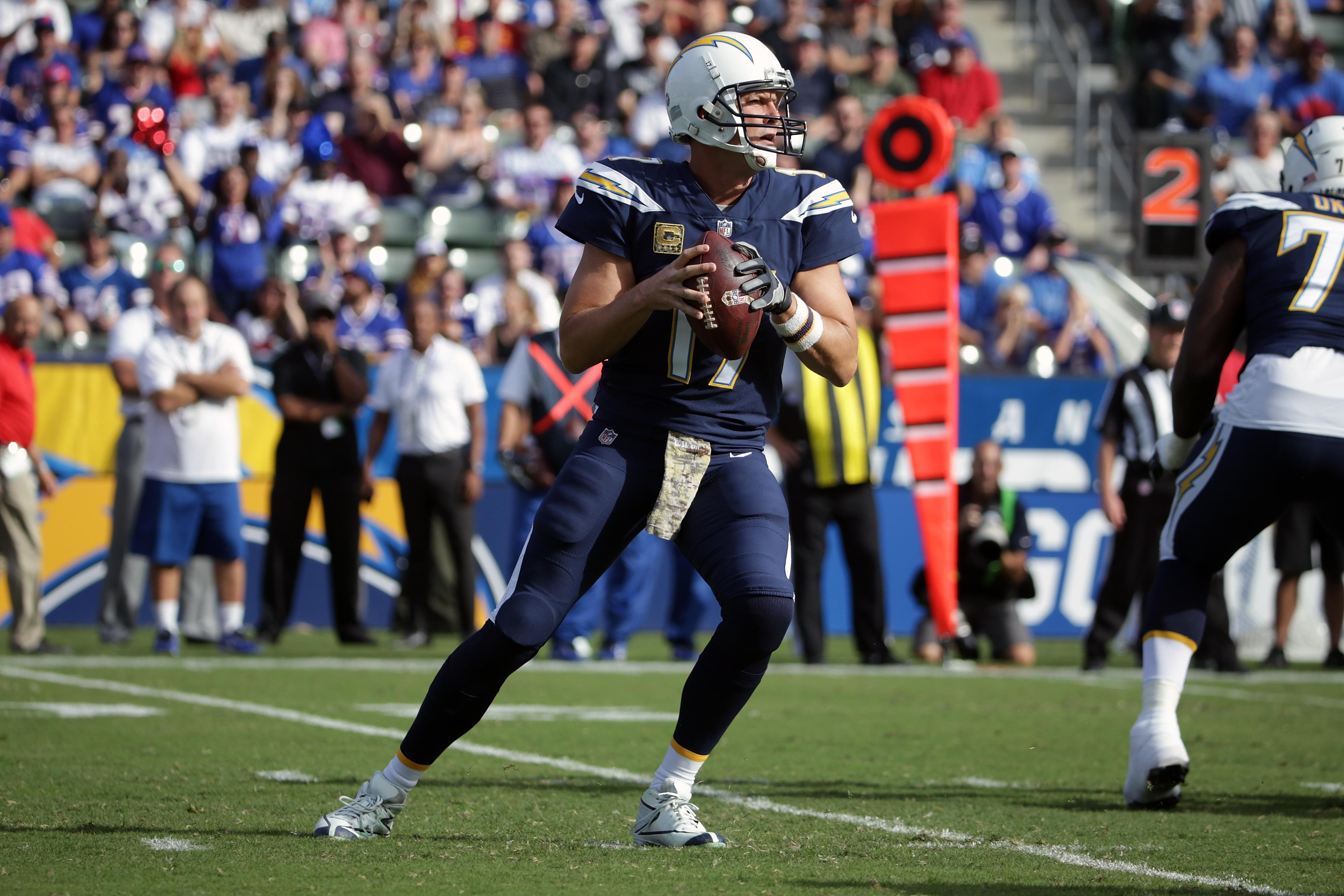 Chargers Spoil Raiders LA Return But Miss Playoffs