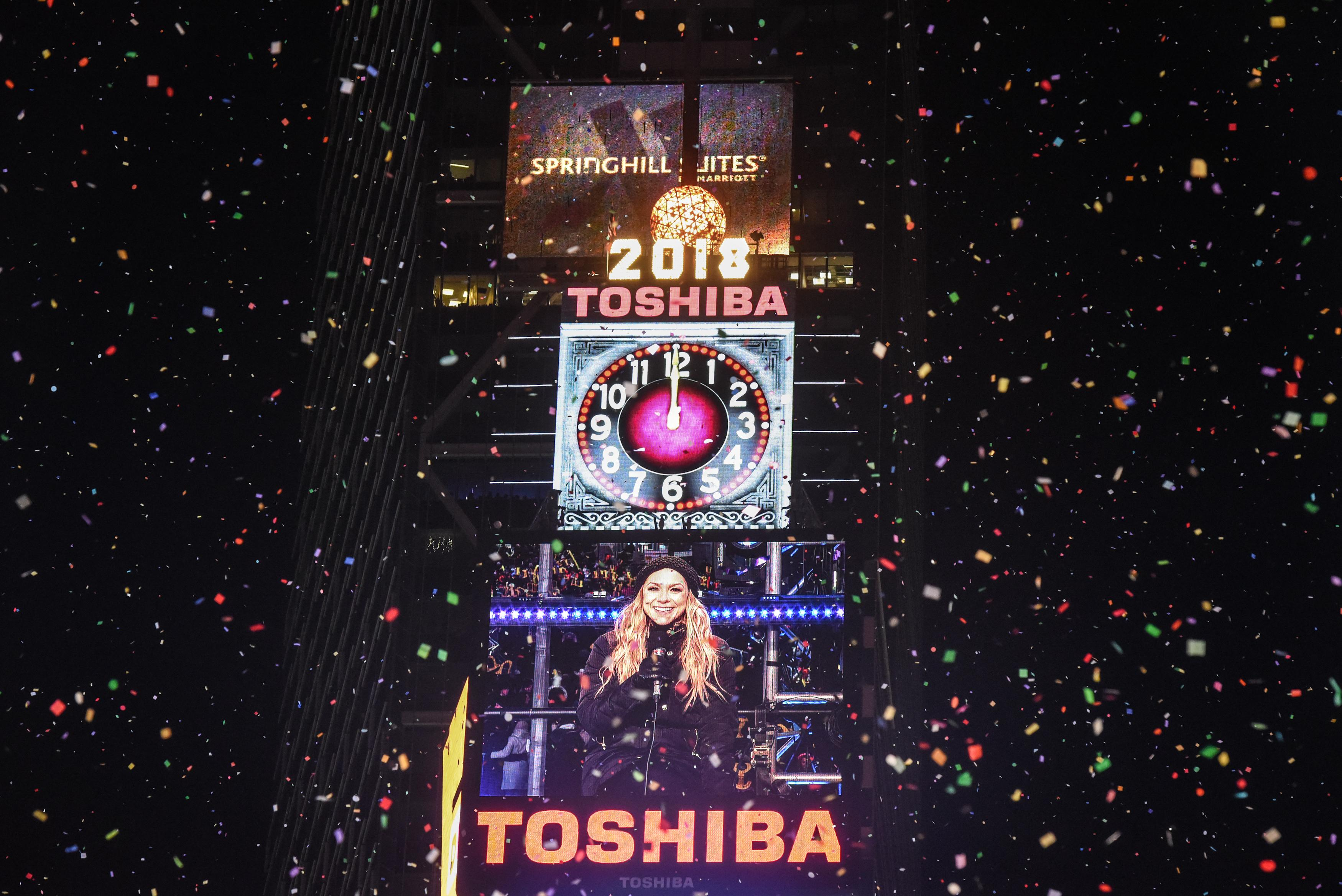 New Year's Eve Times Square Ball Drop Goes Virtual, Will ...