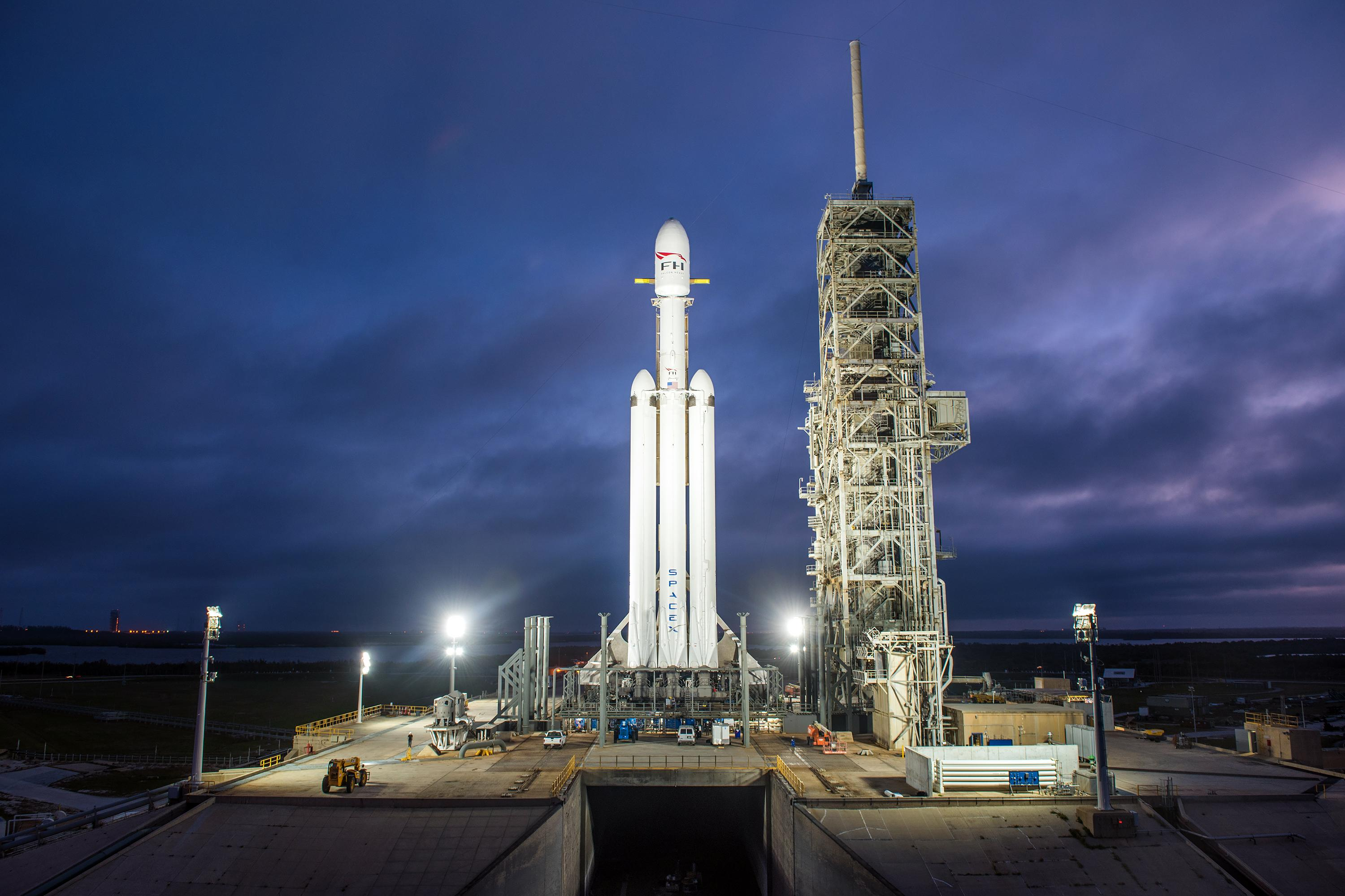Elon Musk will send his Tesla auto  to Mars on SpaceX rocket