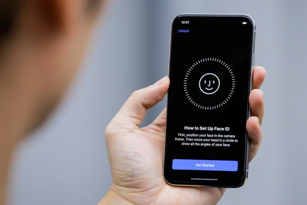 FACE ID Coming To ALL iPhones and iPads In 2018