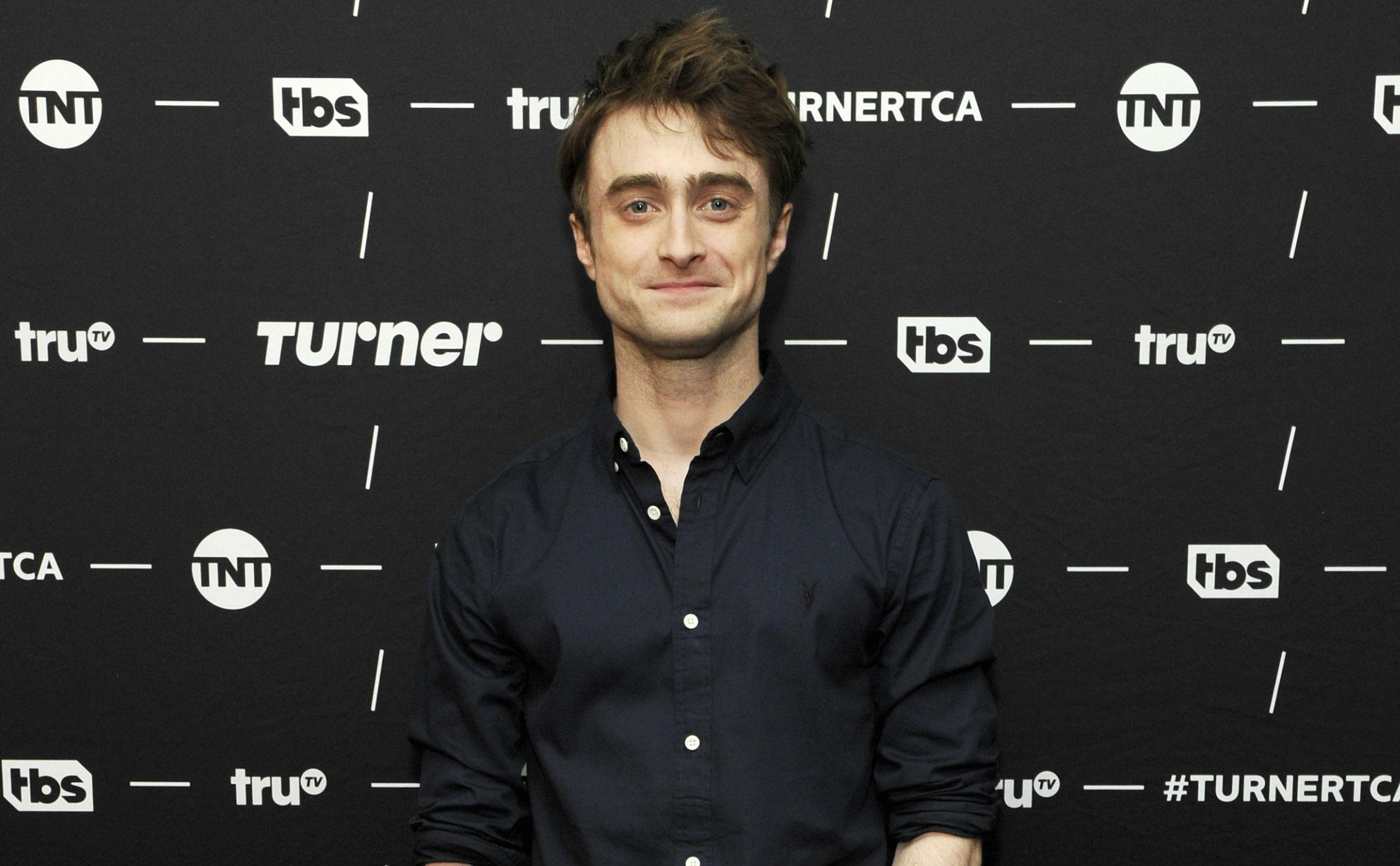 Daniel Radcliffe Reacts To Johnny Depp's Fantastic Beasts Casting Controversy
