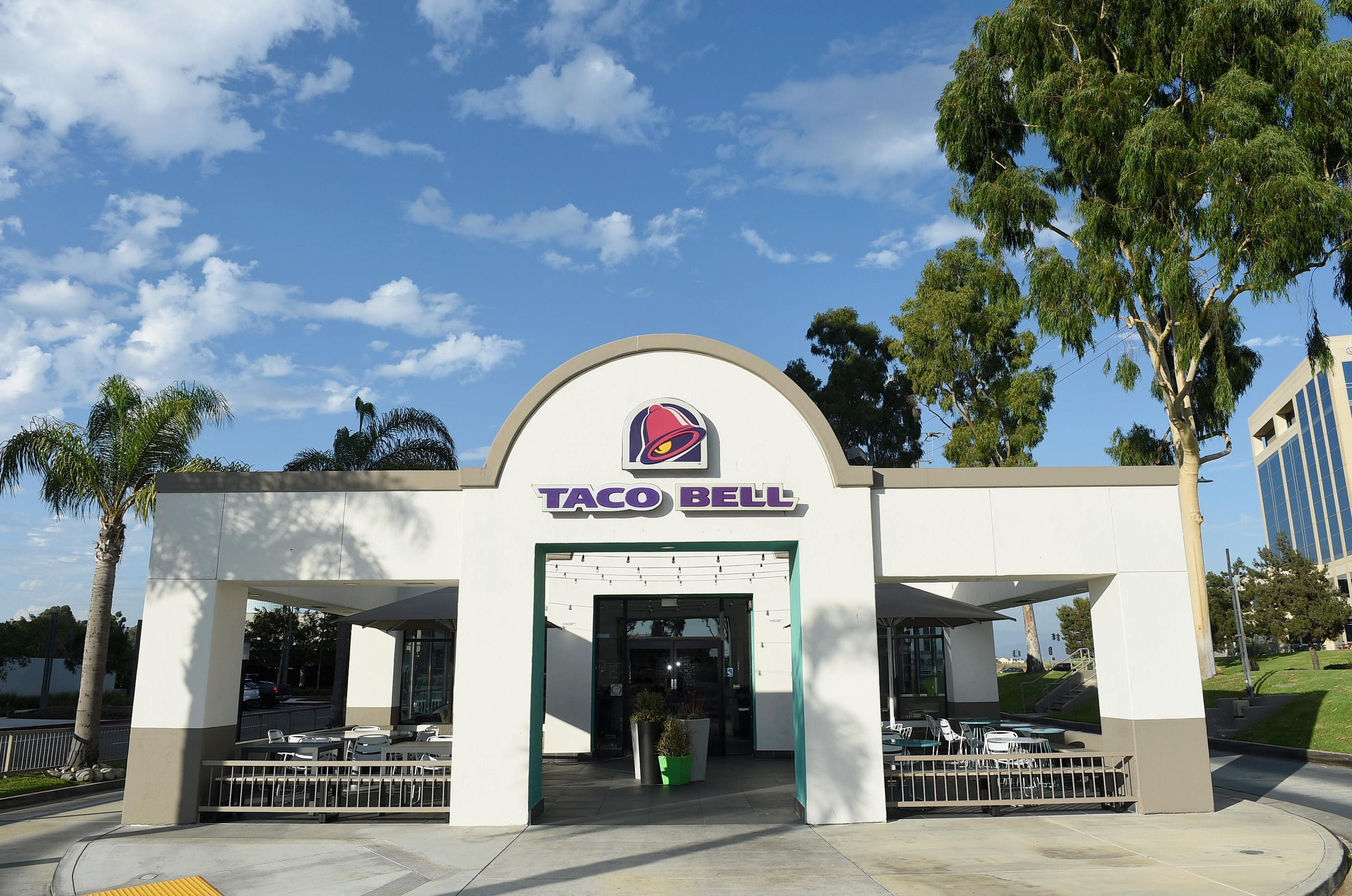 Taco Bell cashier out after putting racial slur on receipt