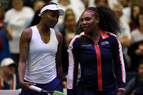 Venus Stops New Mum Serena At BNP Paribas Open
