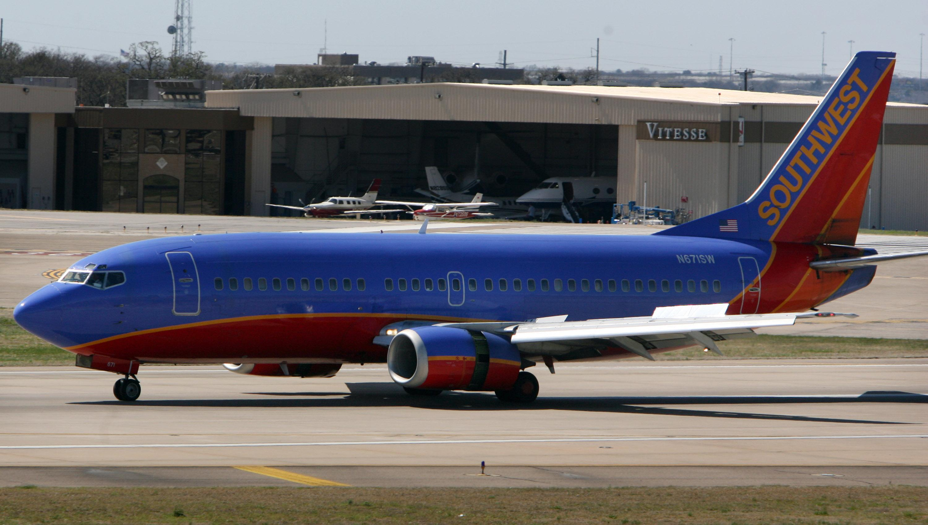 Family forced off Southwest flight at Midway in viral video