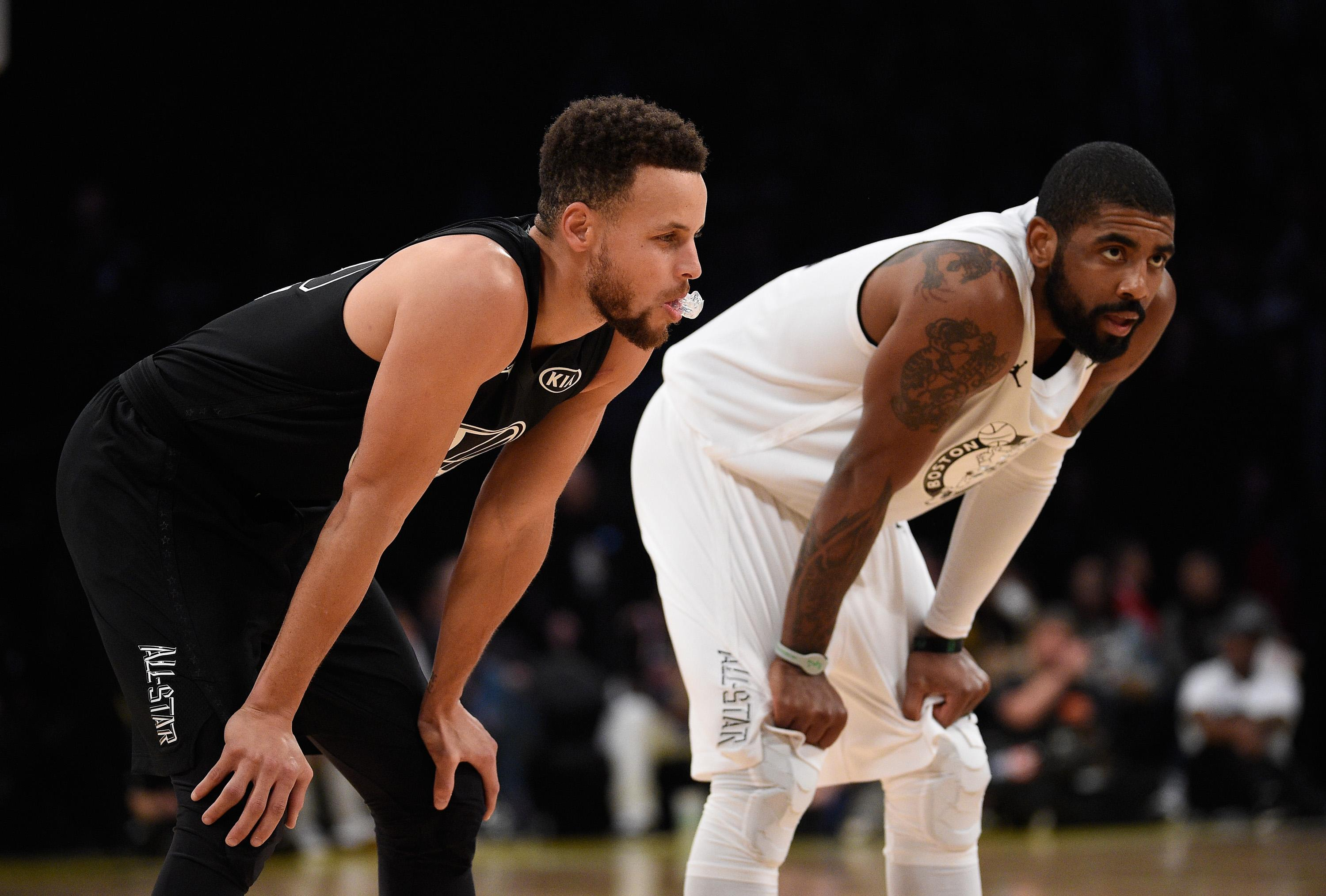 Spurs Held 'Emotional' Players-Only Meeting Asking Kawhi Leonard to Play