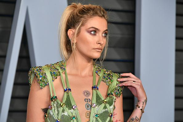 jackson center lesbian dating site Paris jackson escorts a girl to the prom, dyes her hair for date share jenny depper, aolcom may 28th 2016 10:47am paris jackson just went to prom michael jackson's 18-year-old daughter attended the prom on friday, escorting a female friend to the big event paris joked in an instagram snap of she and her date that she.
