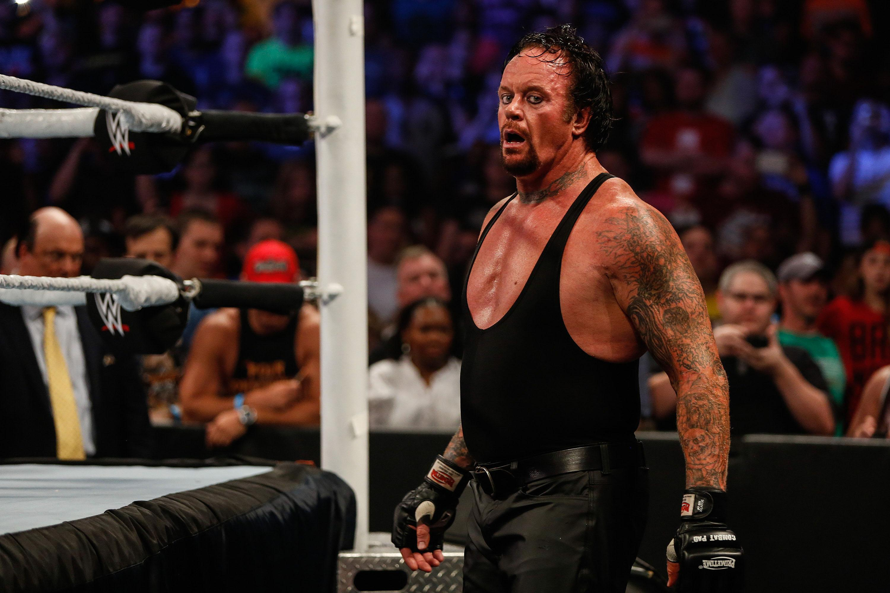 The Undertaker Returns And Makes Quick Work Of John Cena At Wrestlemania