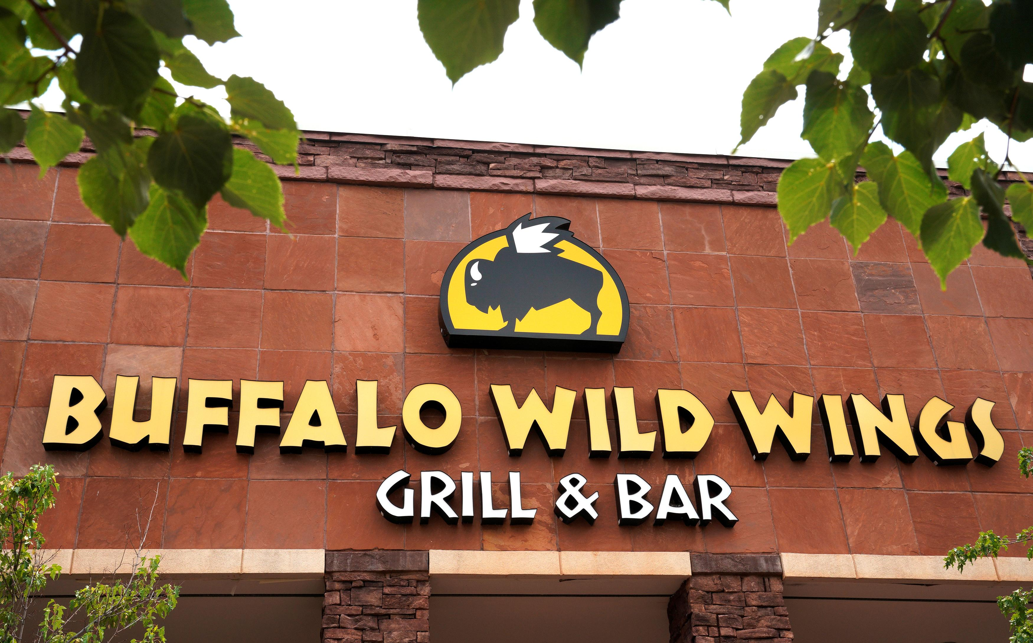 Hepatitis A confirmed in Warren Buffalo Wild Wings employee