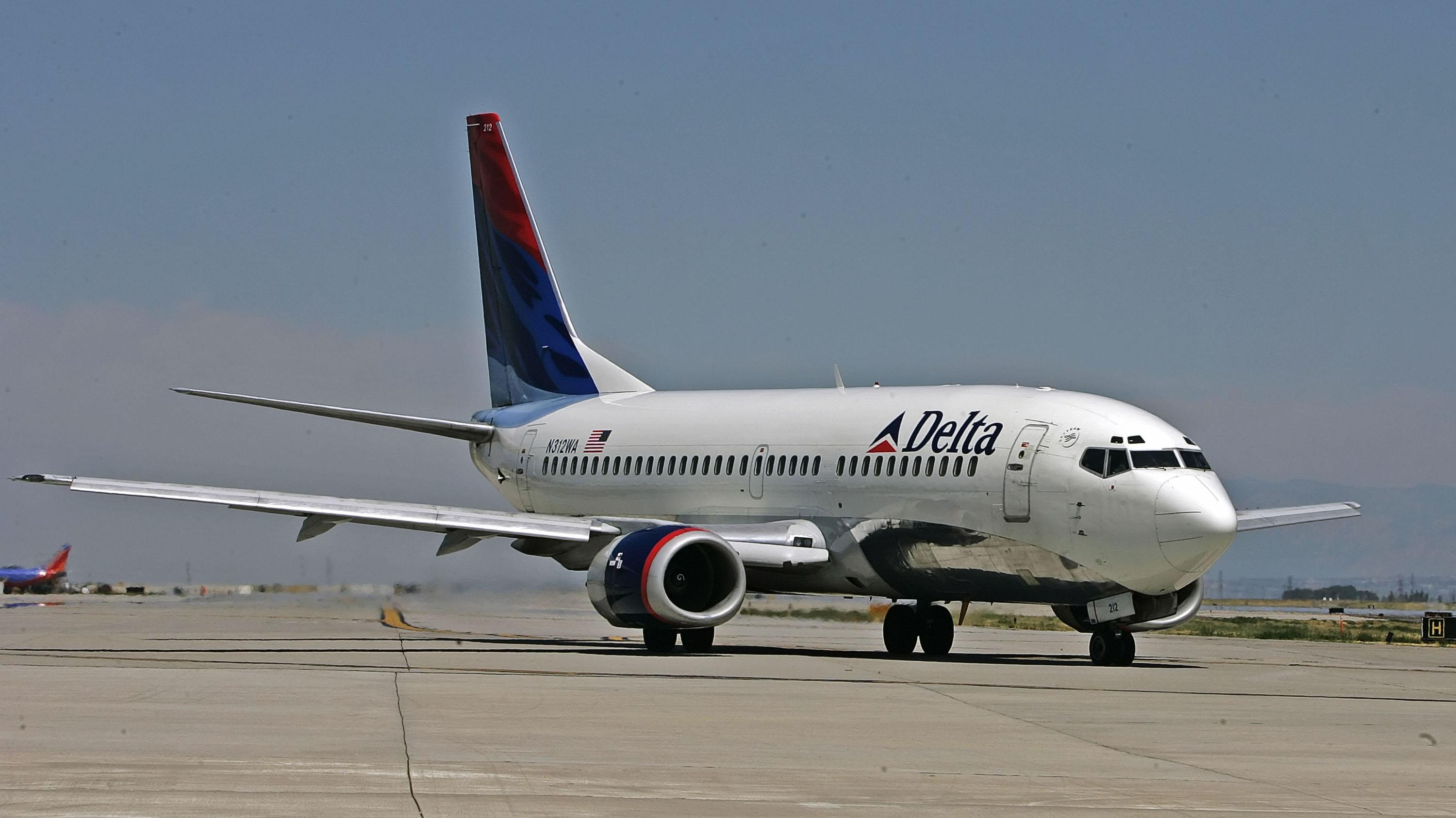 Woman fined £ 500 for Rescuing Complimentary Delta Air Lines snack