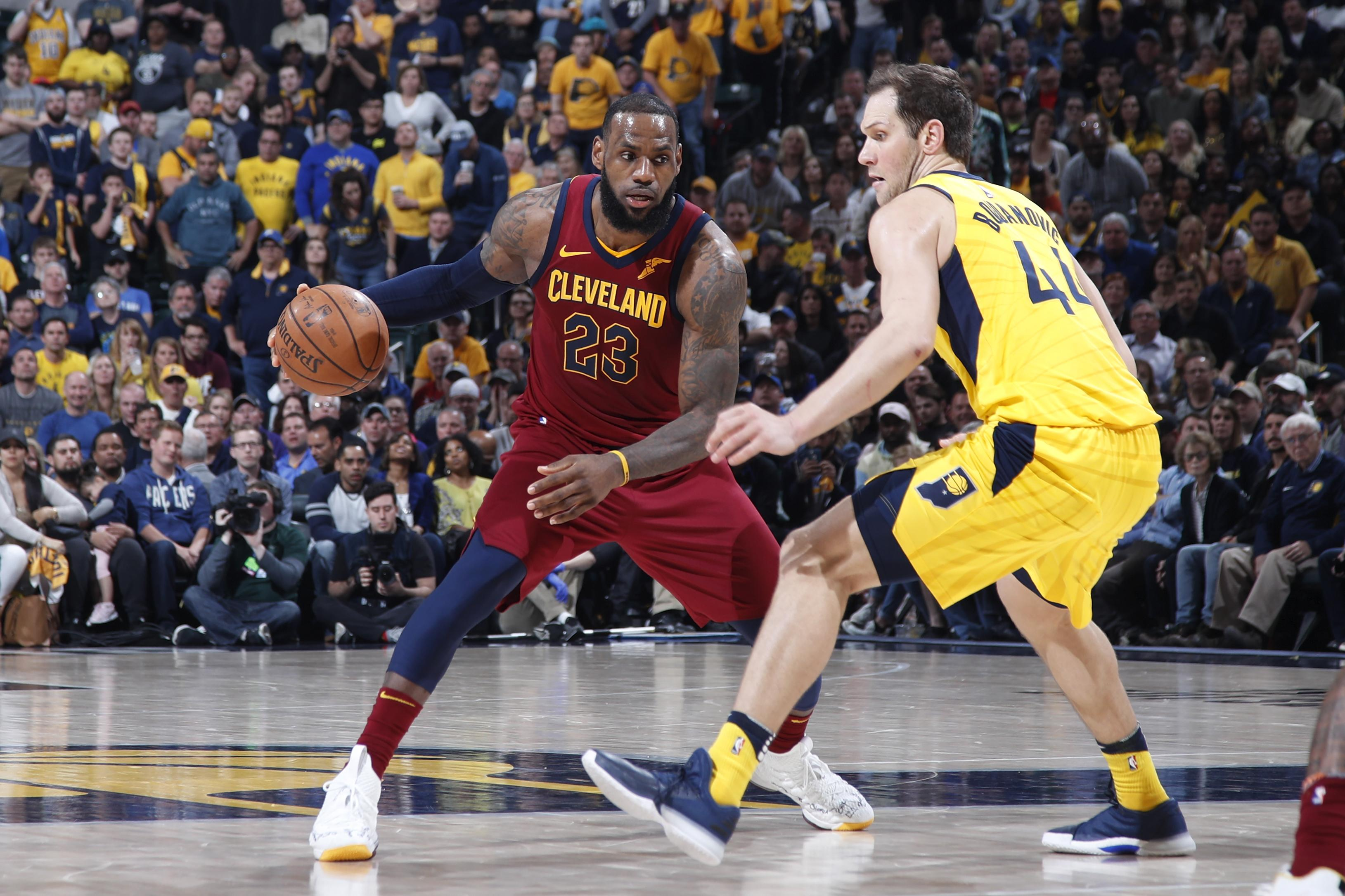 LeBron scores 45 as Cavs advance in NBA playoffs