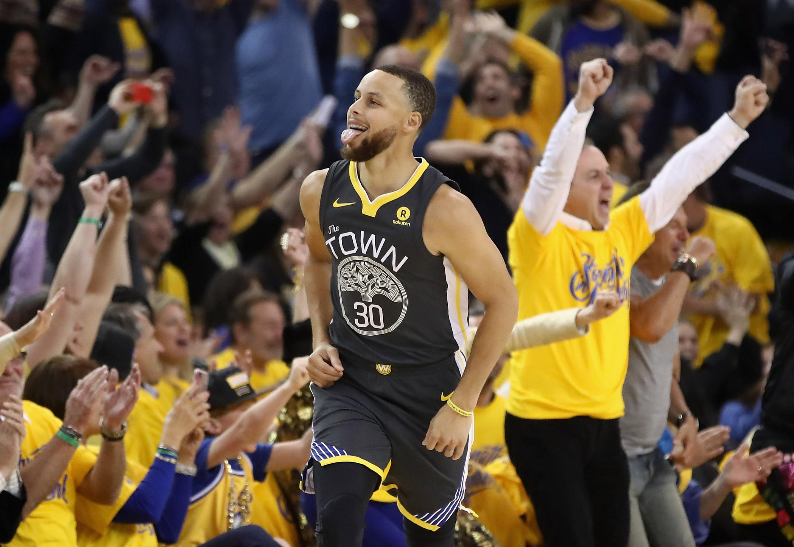 Steve Kerr Says Stephen Curry Is Probable for Game 2 vs. Pelicans