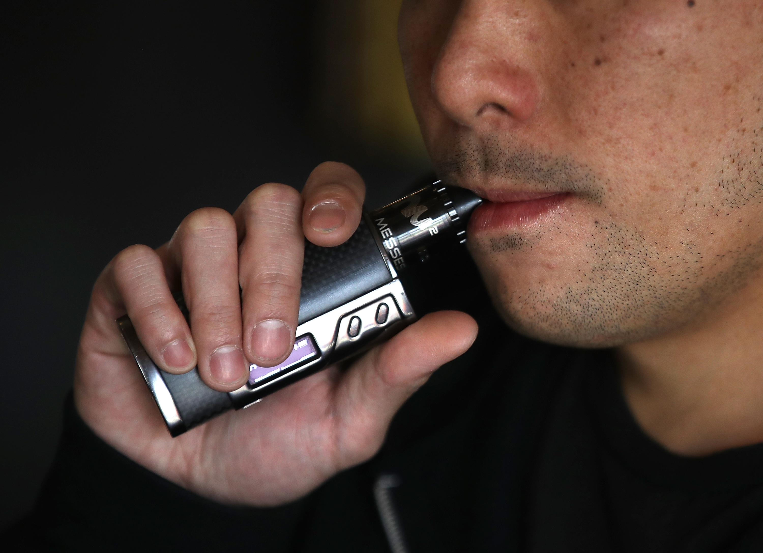 TV Producer Dies After E-Cigarette Explodes & Burns 80% Of His Body