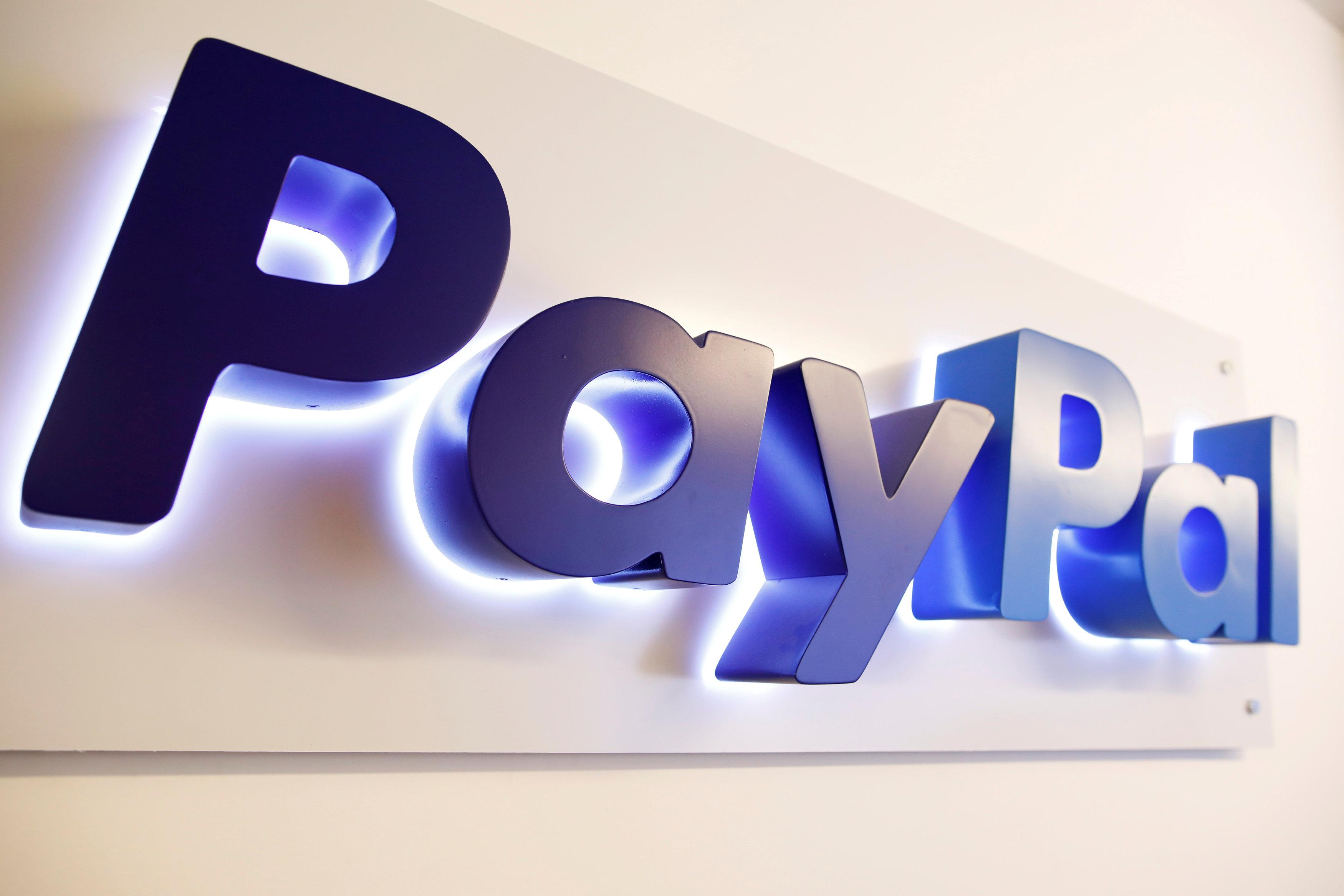 paypal is spending 2 2 billion to take on square. Black Bedroom Furniture Sets. Home Design Ideas