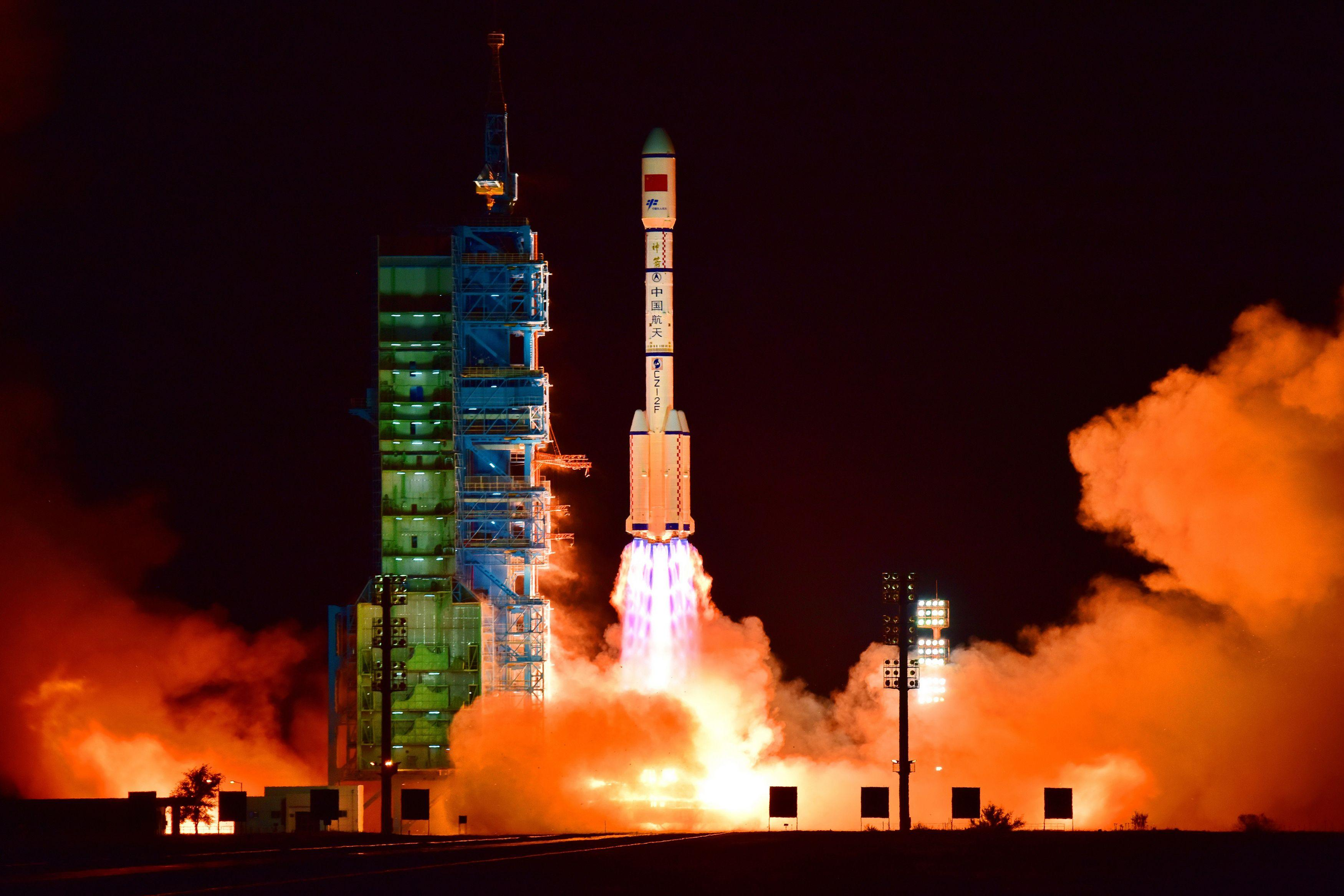Tiangong-2 Introduction [19659011] China The Tiangong 2 space laboratory will be launched on 15 September 2016 with a long March 2F rocket from the Jiuquan satellite launch center in the Gobi Desert in Gansu province, China. </span> <span class=