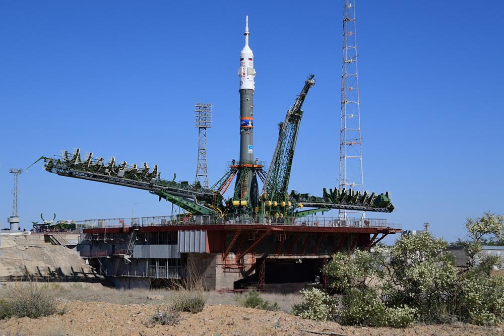 Russian Soyuz capsule with 3 astronauts blasts off for space station