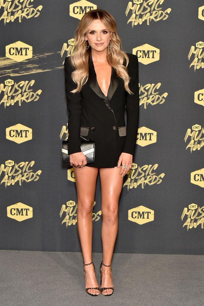 Carly Pearce cmt awards 2018