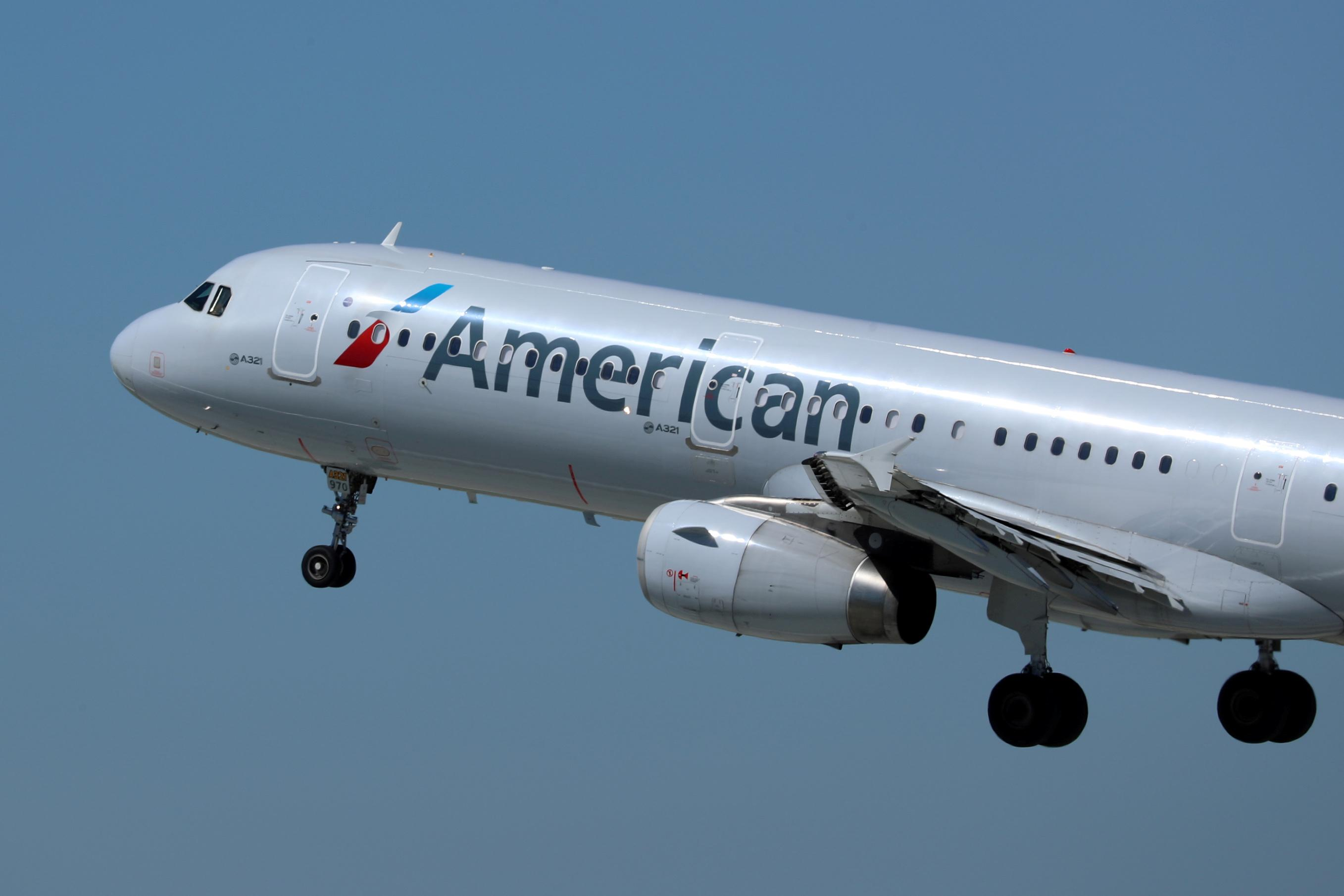 American Airlines cancels hundreds of flights due to technical issue
