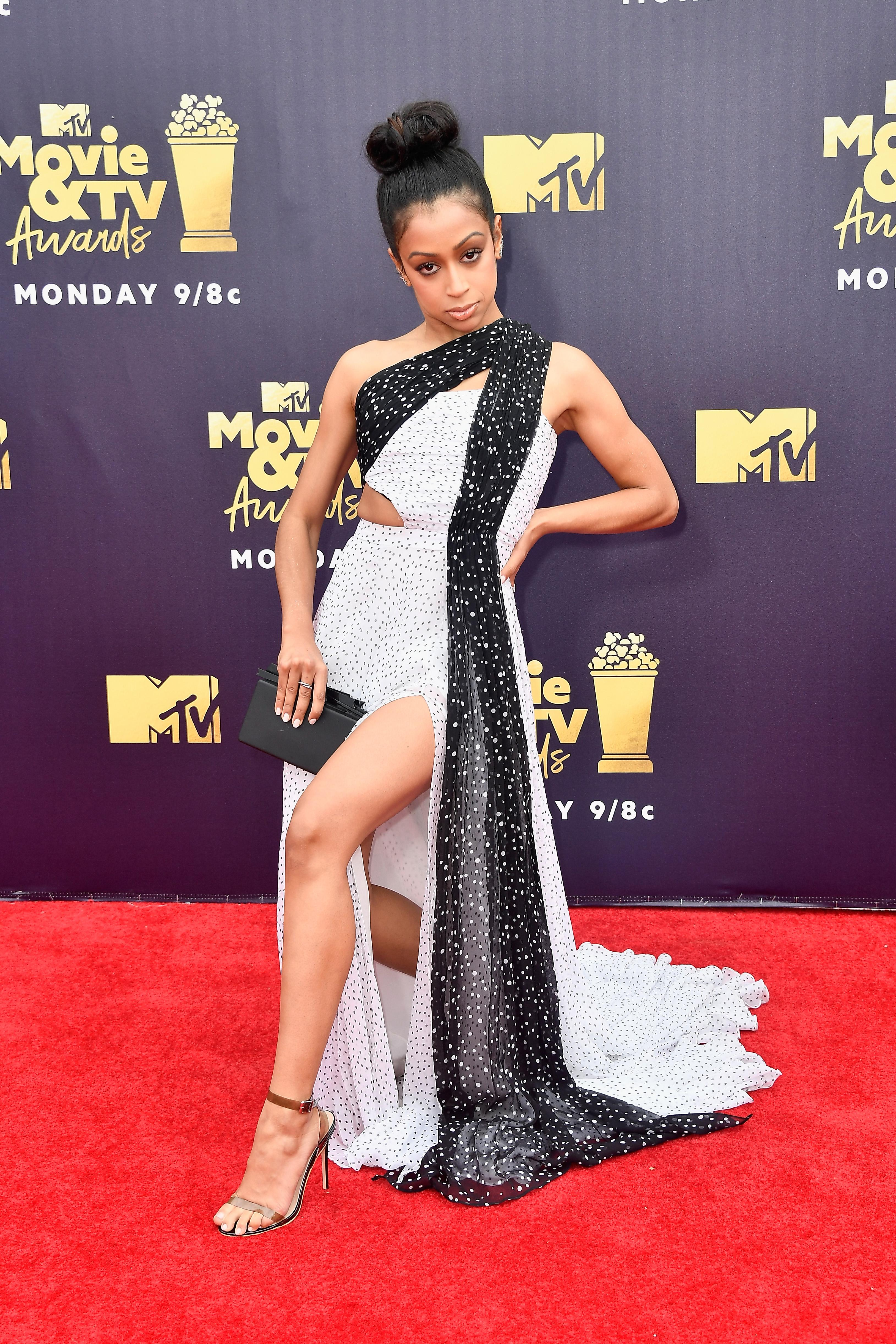 Mtv Movie And Tv Awards 2018 Red Carpet Hottest Celebrity Fashion Looks