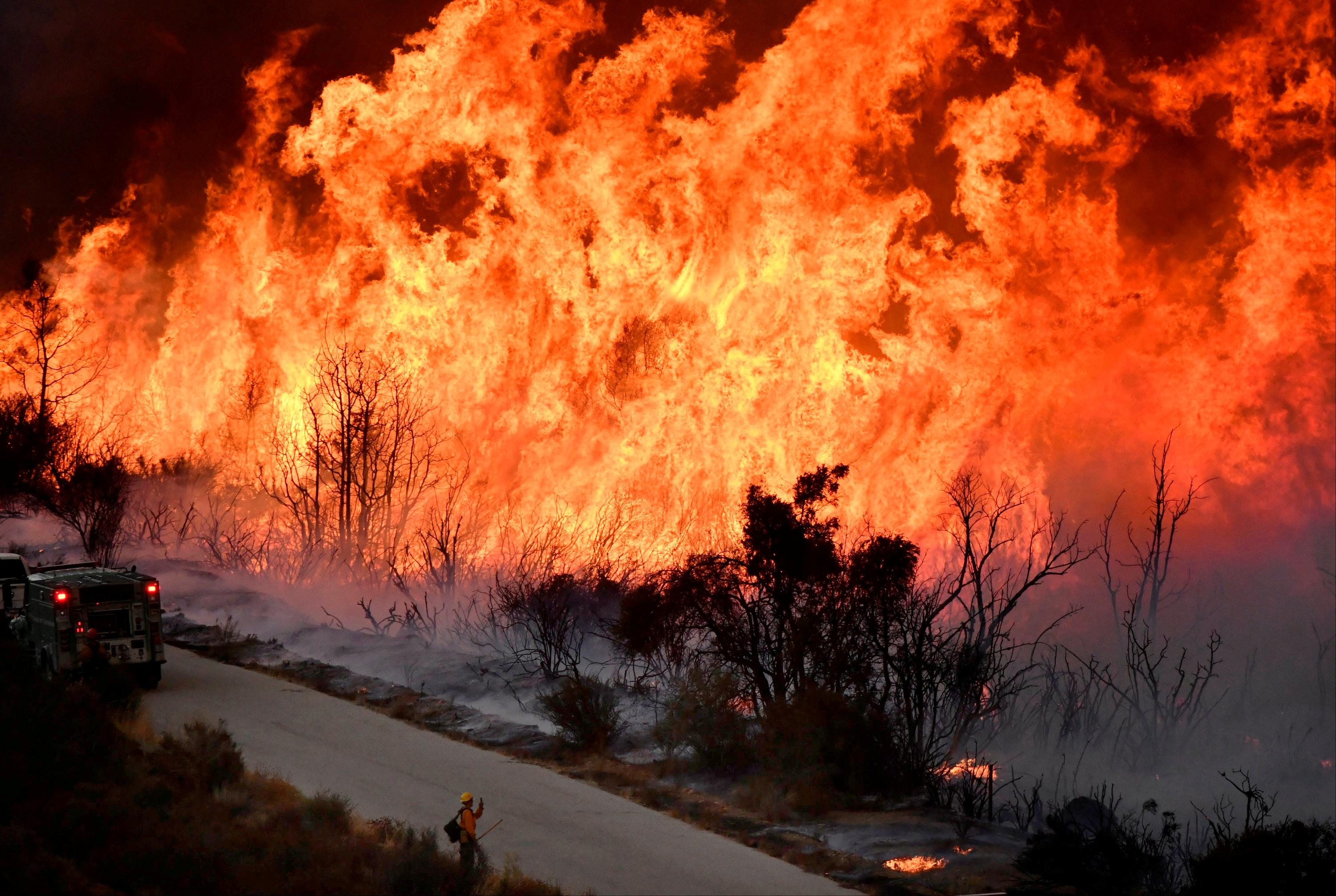 Brush fire destroys homes in San Diego County, California; Hundreds evacuated