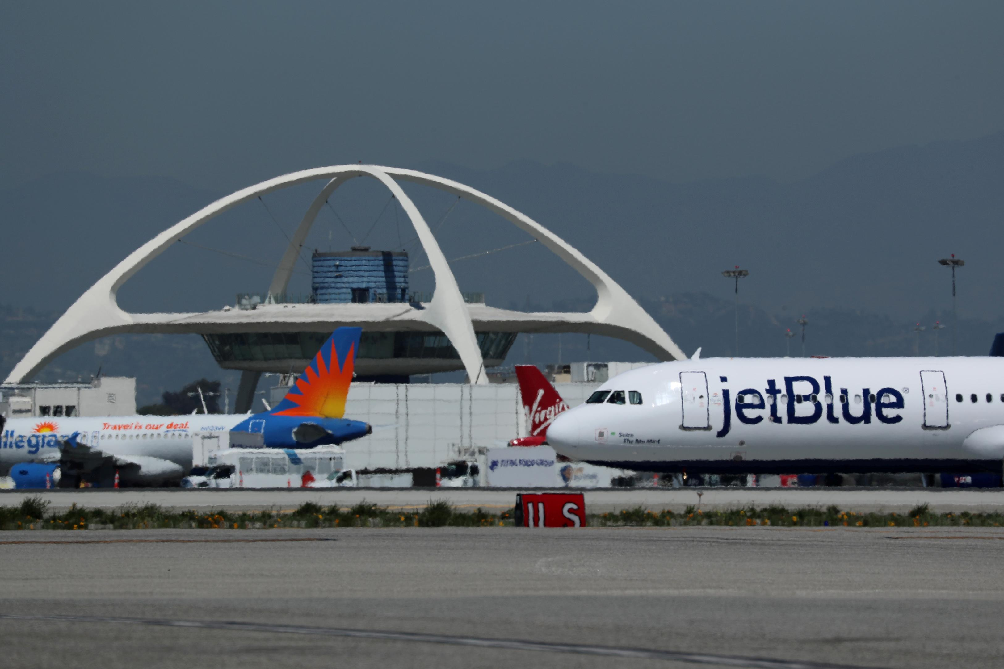 jet blue problem statement Problem statement jetblue needed to find a turnaround solution, resulting from disruptive events or irops, that had been reducing their revenues.