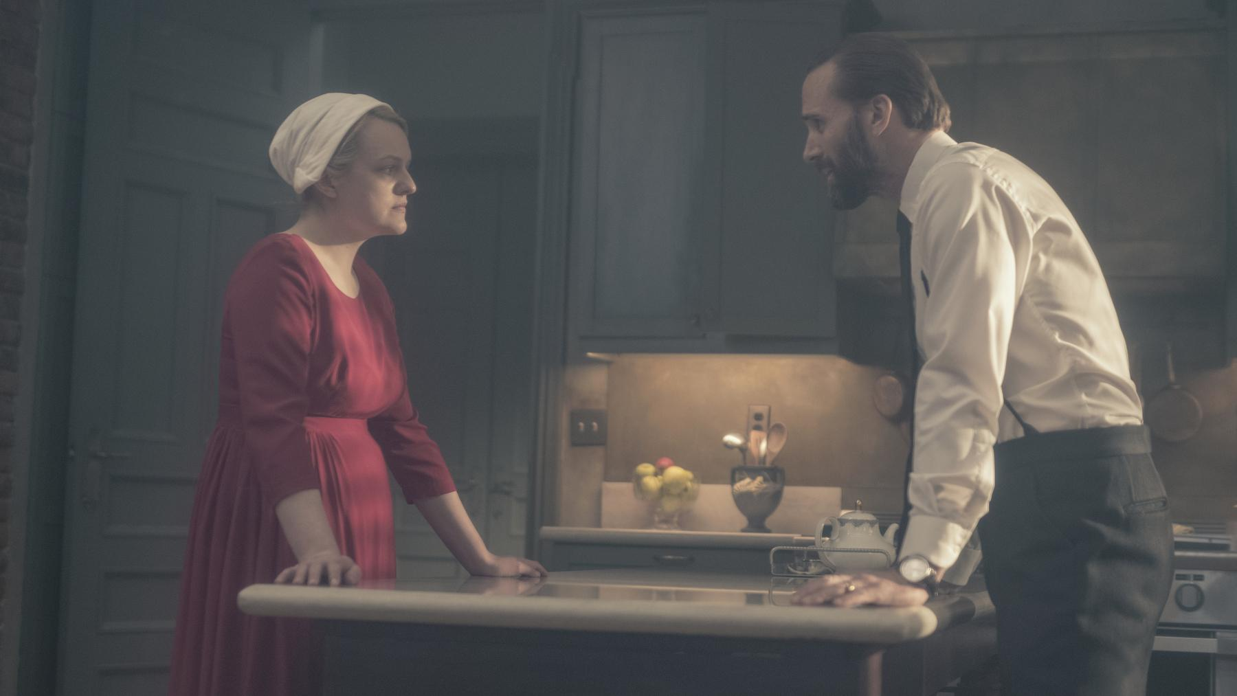 handmaid's tale season 3 - photo #24