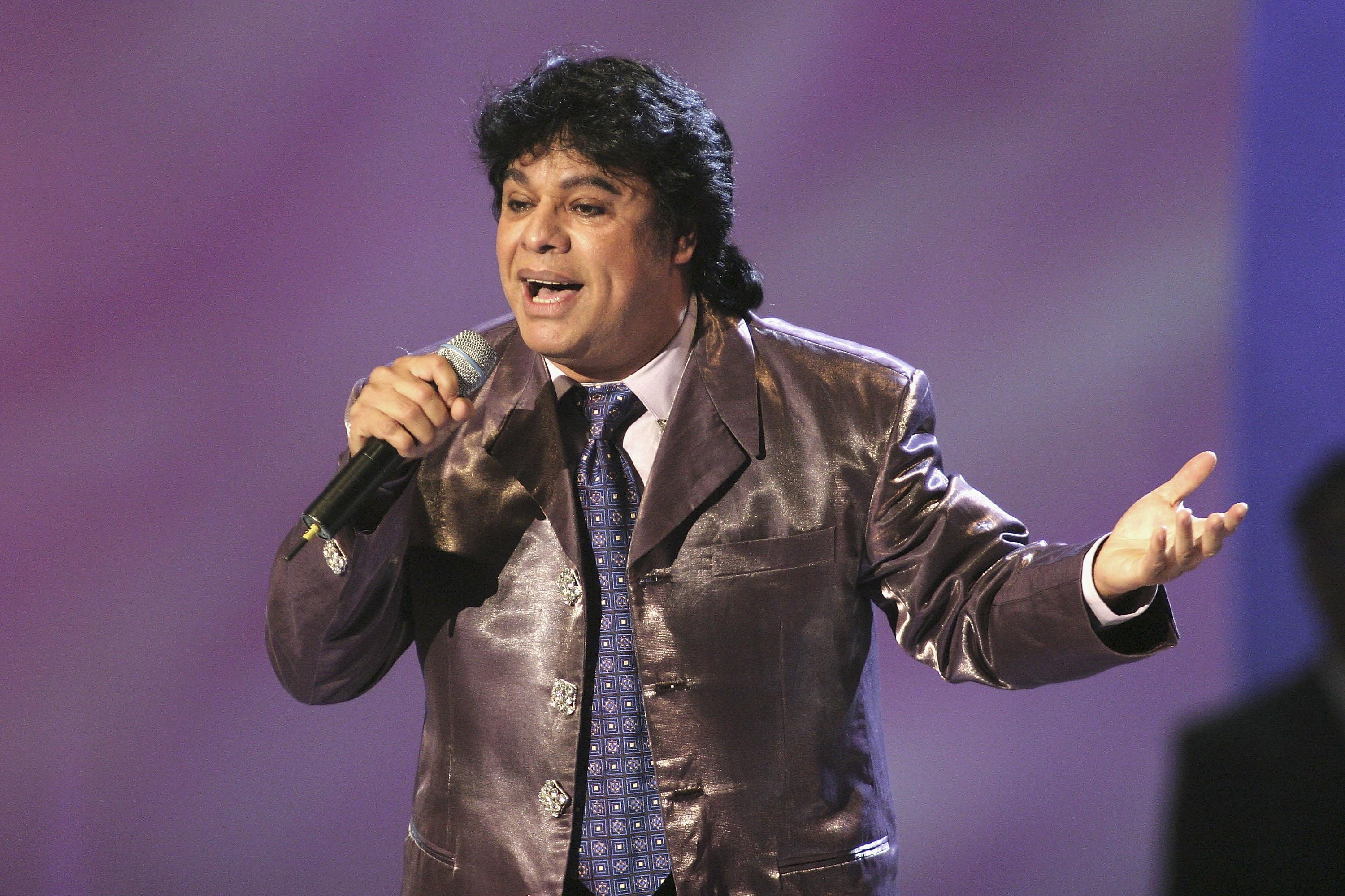 juan gabriel quotes best lyrics songs on mexican singer 39 s 2nd death anniversary. Black Bedroom Furniture Sets. Home Design Ideas