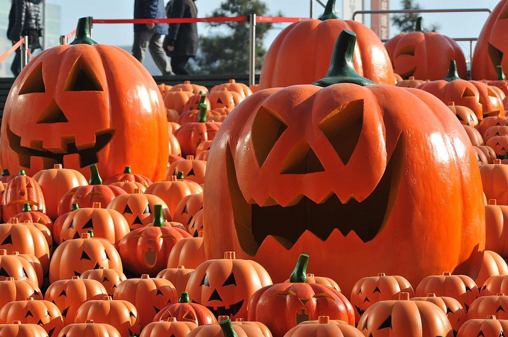 Halloween trick-or-treating cancelled amid COVID-19