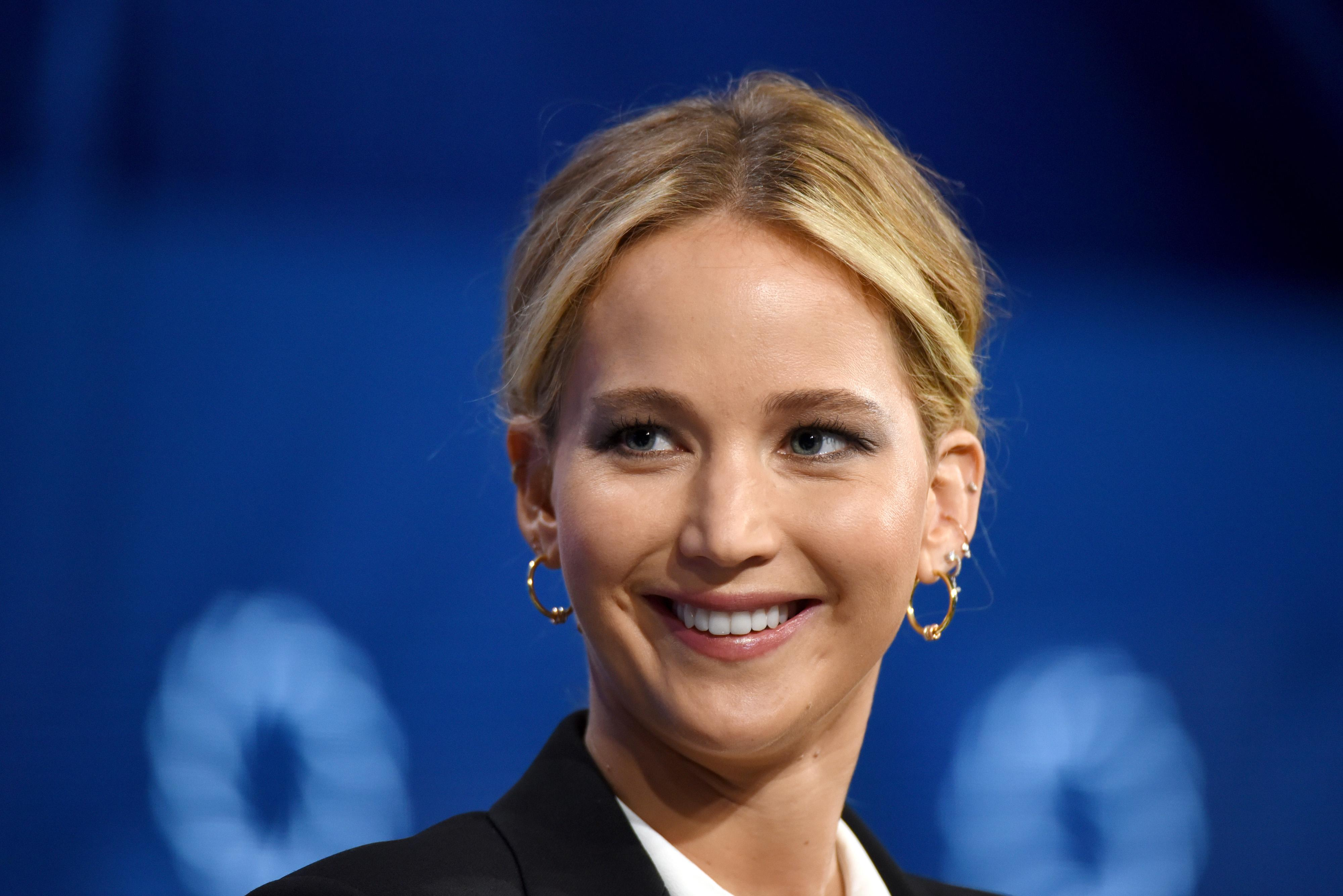 Jennifer Lawrence Planning For A Baby With Boyfriend Cooke ...