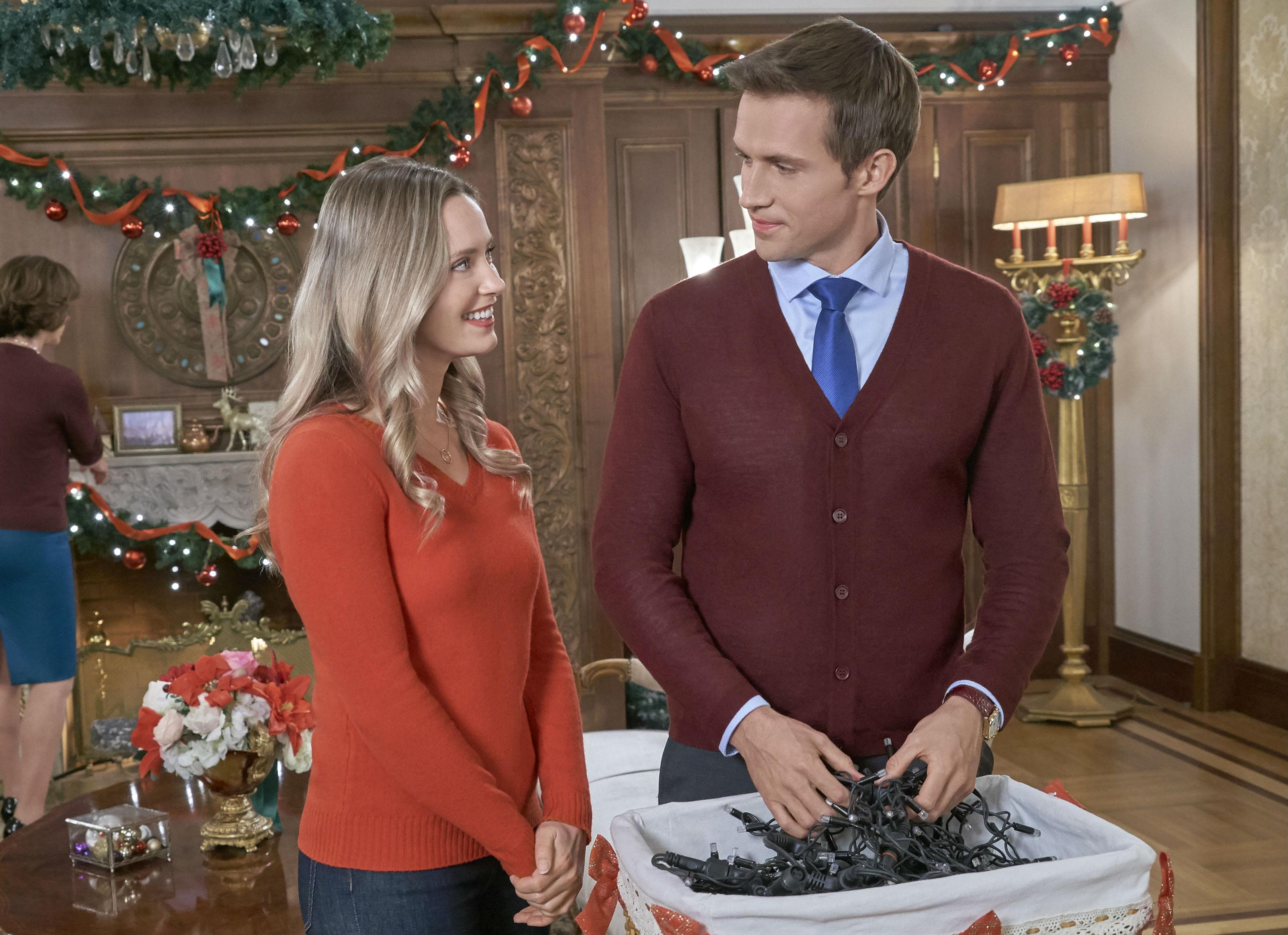 Christmas At The Palace.Christmas At The Palace Hallmark Channel Premiere See Cast