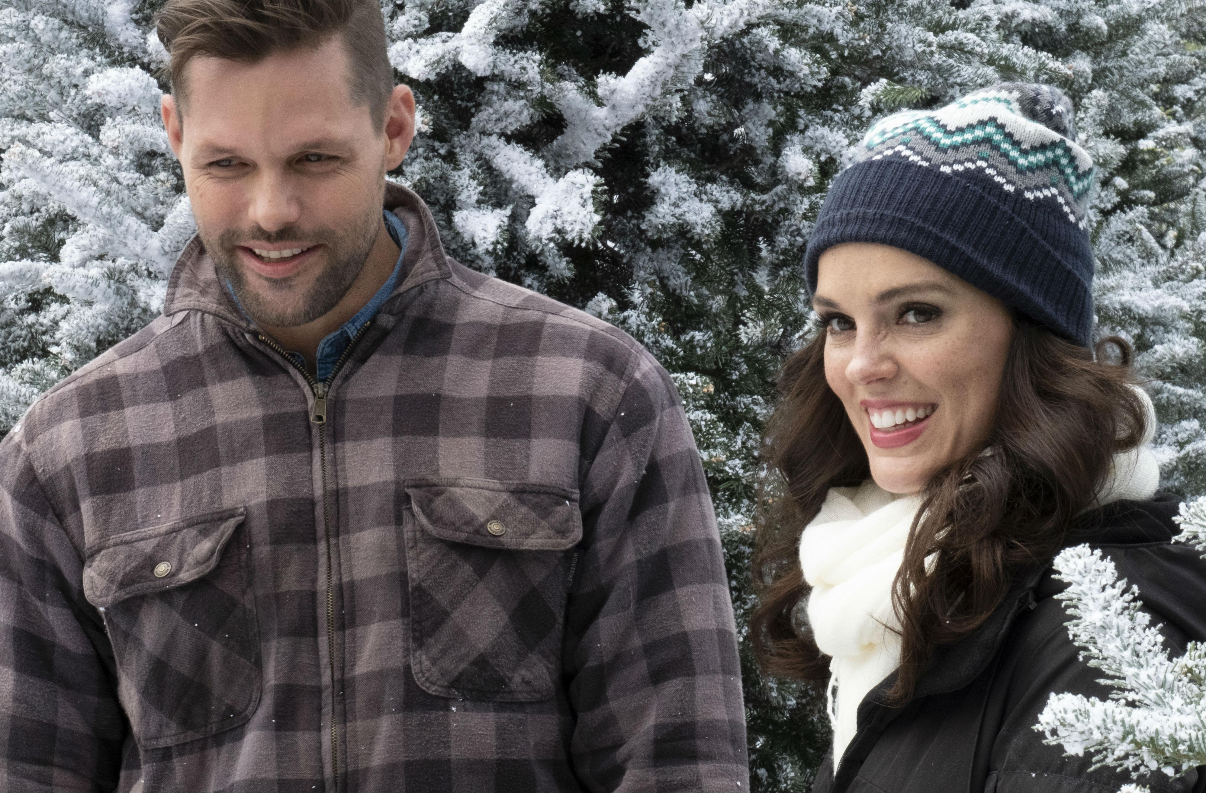 Cast Of Last Christmas In Vermont 2020 Last Vermont Christmas' Hallmark Movies Premiere: See Cast