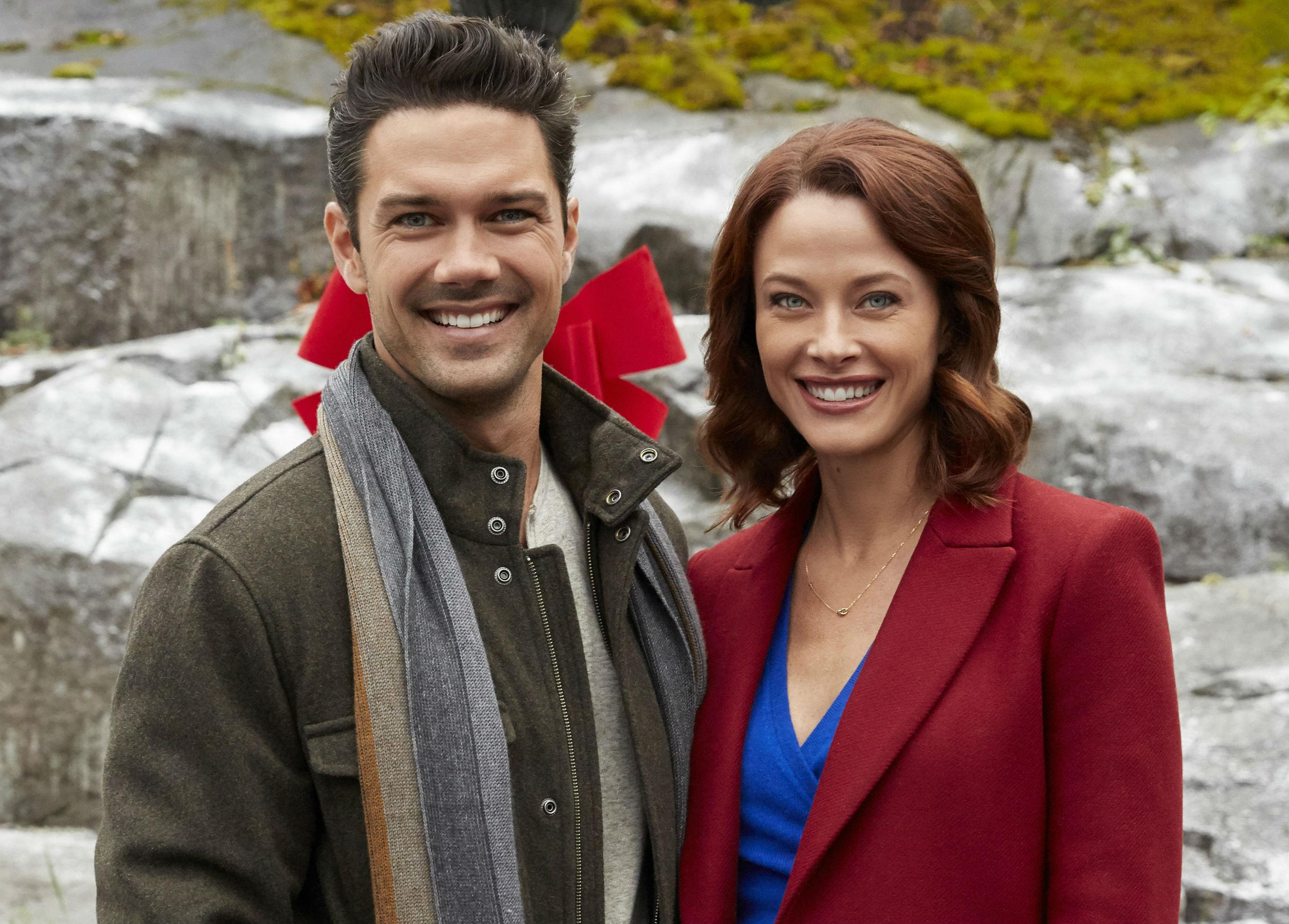 Hope At Christmas Cast.Hope At Christmas Hallmark Premiere Ryan Paevey Chats Cast