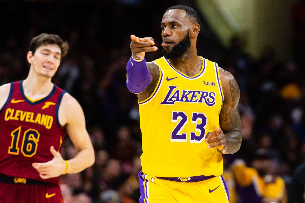 LeBron leads surging Lakers past Jazz