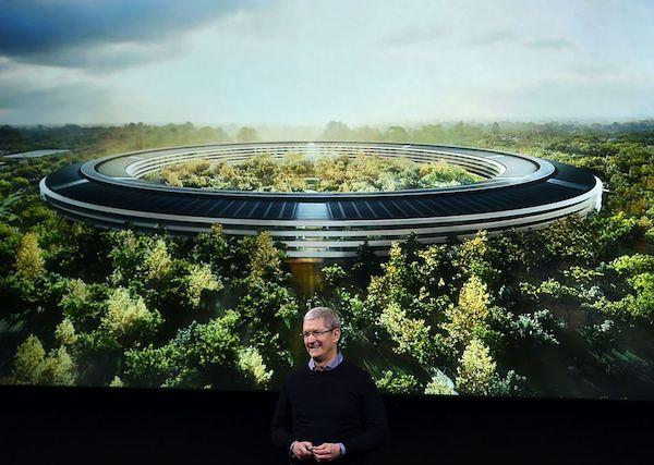 Apple plans $1bn campus - Newspaper
