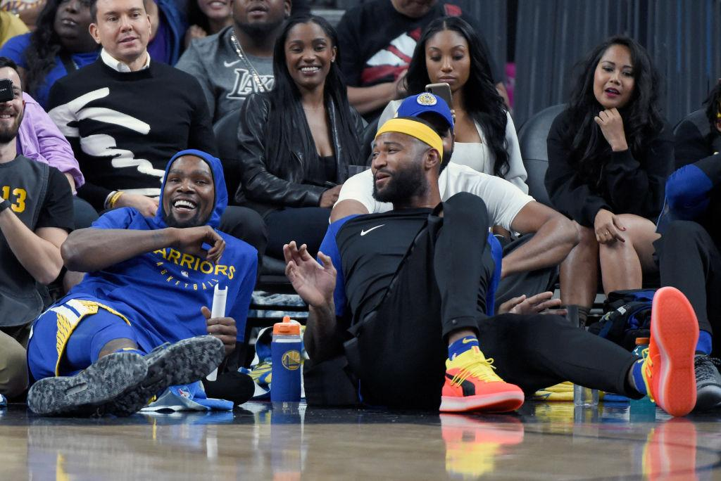 DeMarcus Cousins matches up one-on-one with Kevin Durant in practice