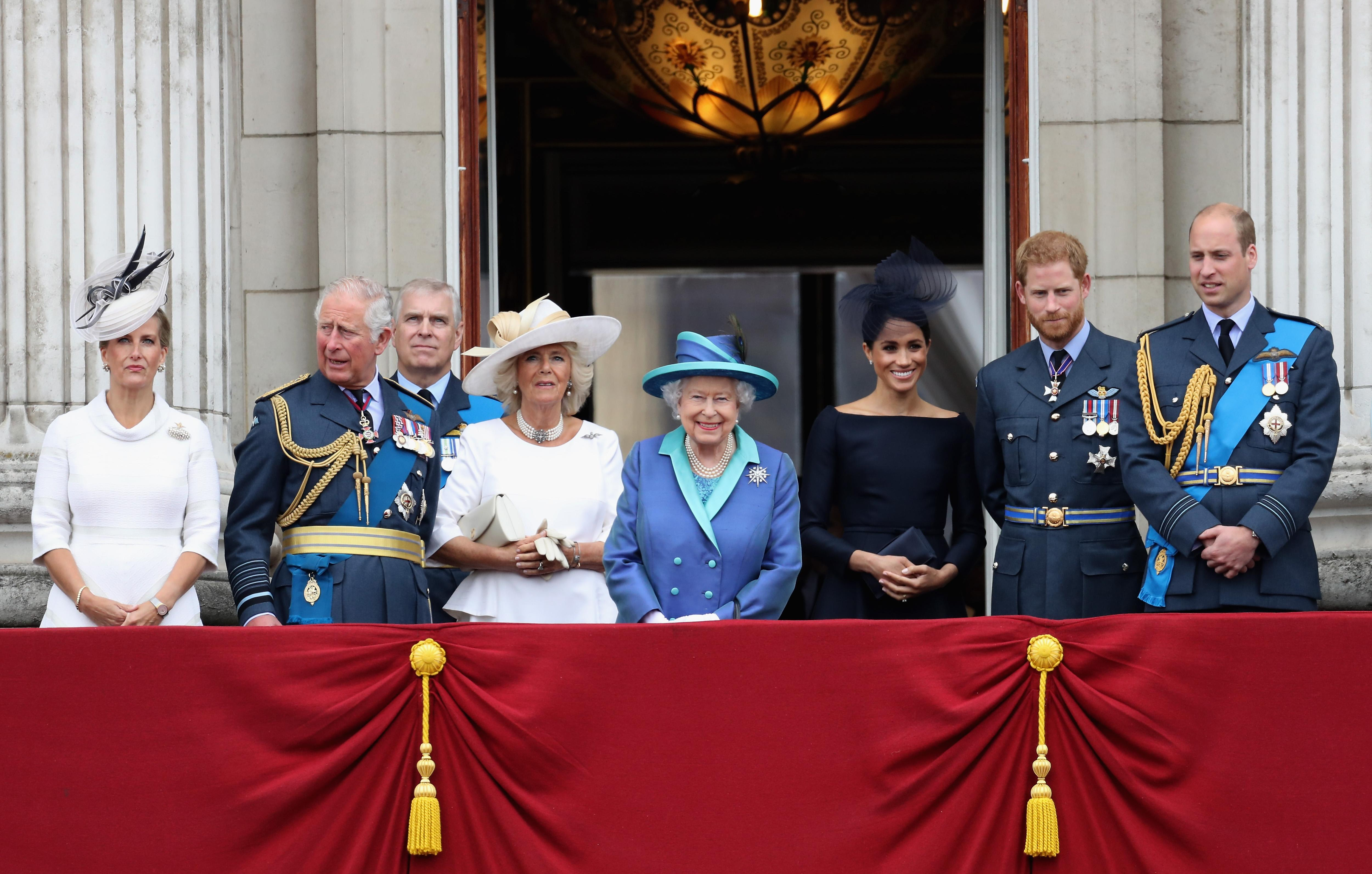Royal Family Christmas.What Does The Queen Eat On Christmas Royal Family S Holiday