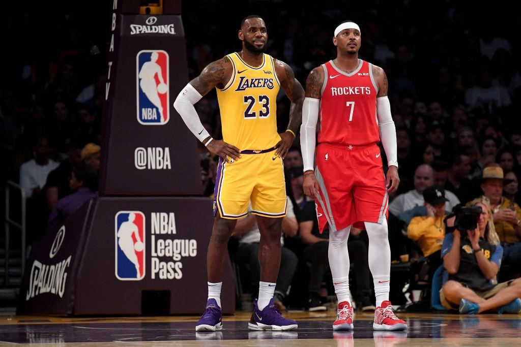 Lebron James (L) and Carmelo Anthony (R)