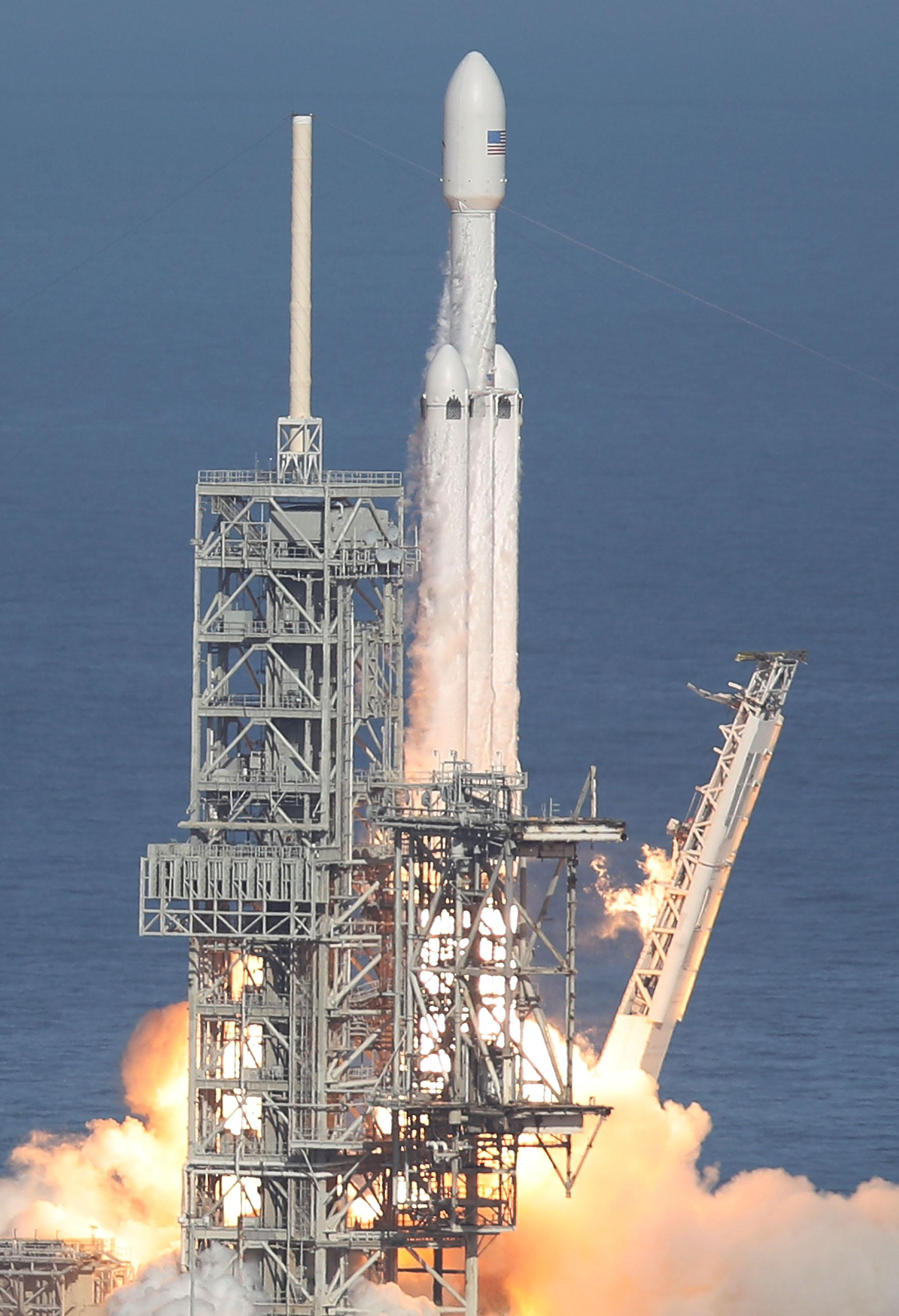 spacex heavy lift launch - HD 820×1200