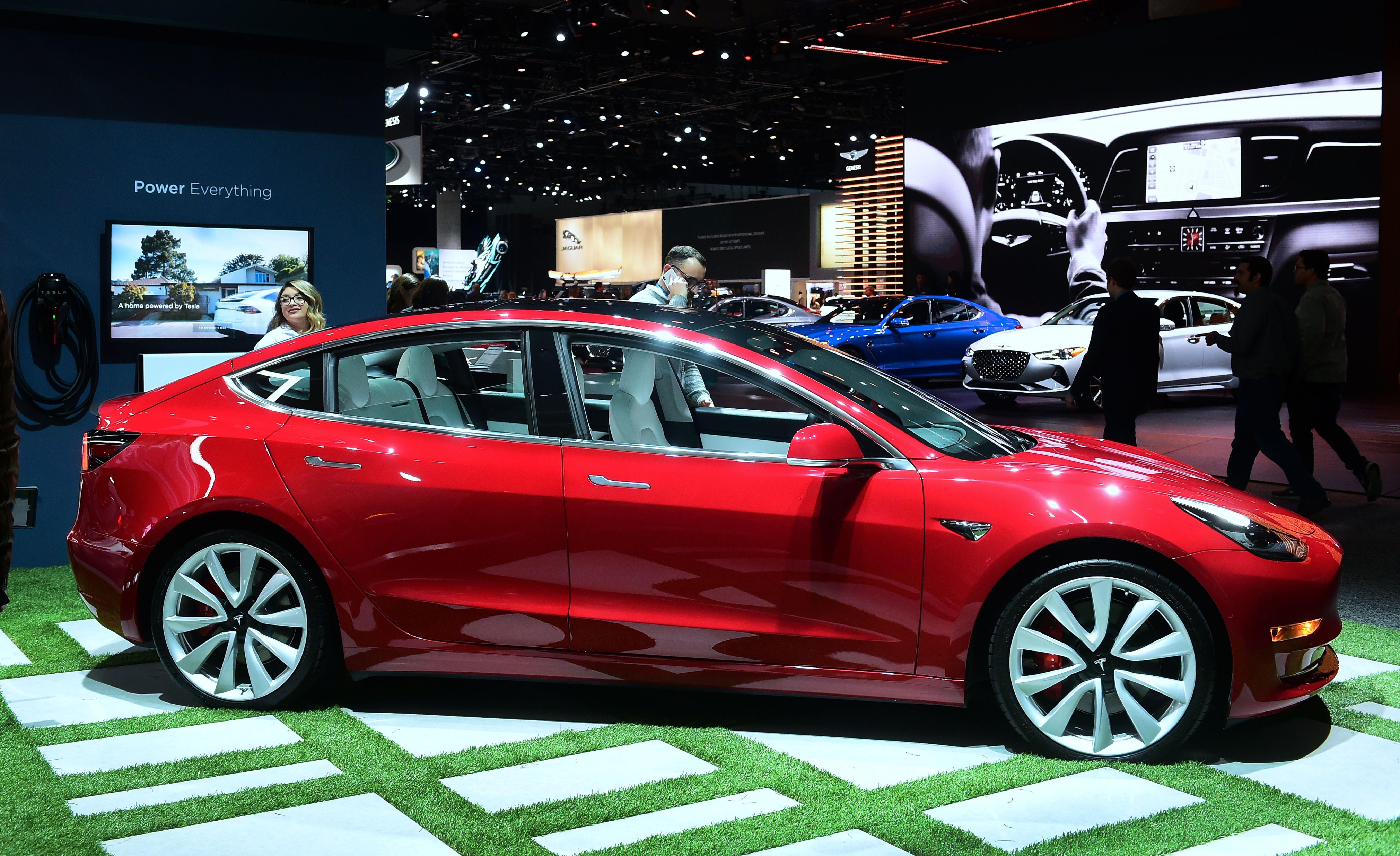 Tesla Opens New Store In Iceland, Elon Musk Confirms Sept  9