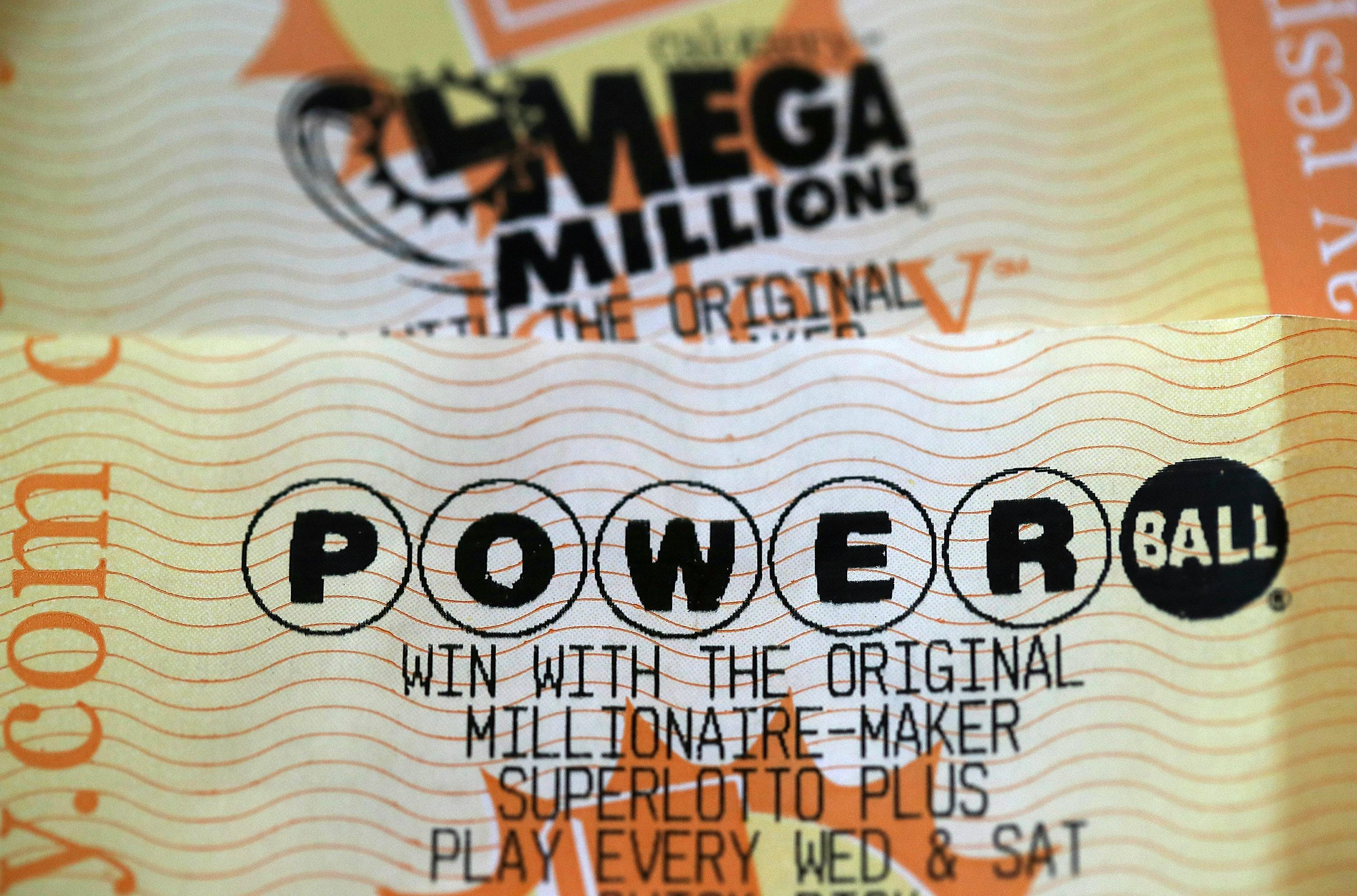 With no winner, Powerball jackpot soars to $550 million