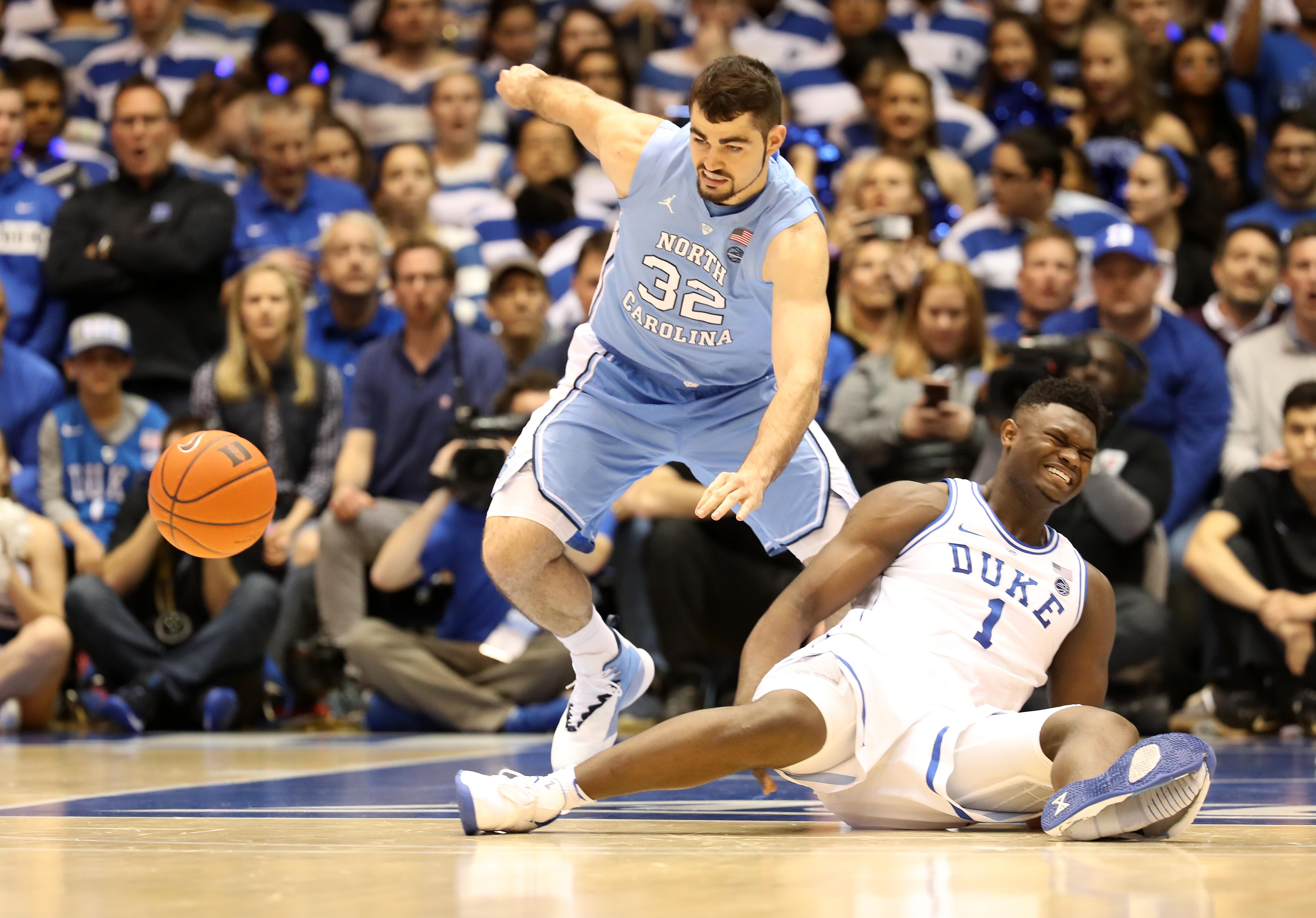 0d252fd5c10 Duke vs. UNC  Zion Williamson Out After Shoe Explodes